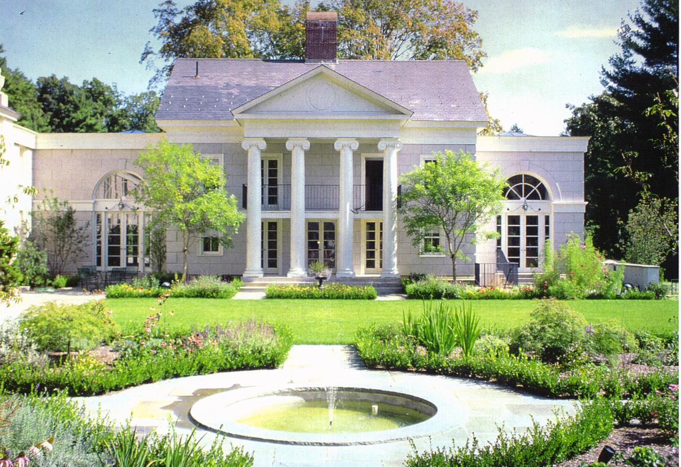 Lyme.Connecticut.Taylor_House.House_&_Garden.Robert_Orr_&_Associates.Architecture.Landscape_Architecture.New_Urbanism.Rear_Garden_Fountain.jpg