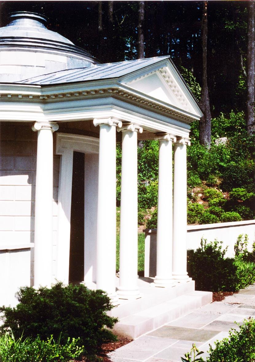 Lyme.Connecticut.Taylor_House.House_&_Garden.Robert_Orr_&_Associates.Architecture.Landscape_Architecture.New_Urbanism.Tempietto_Oblique copy.jpg