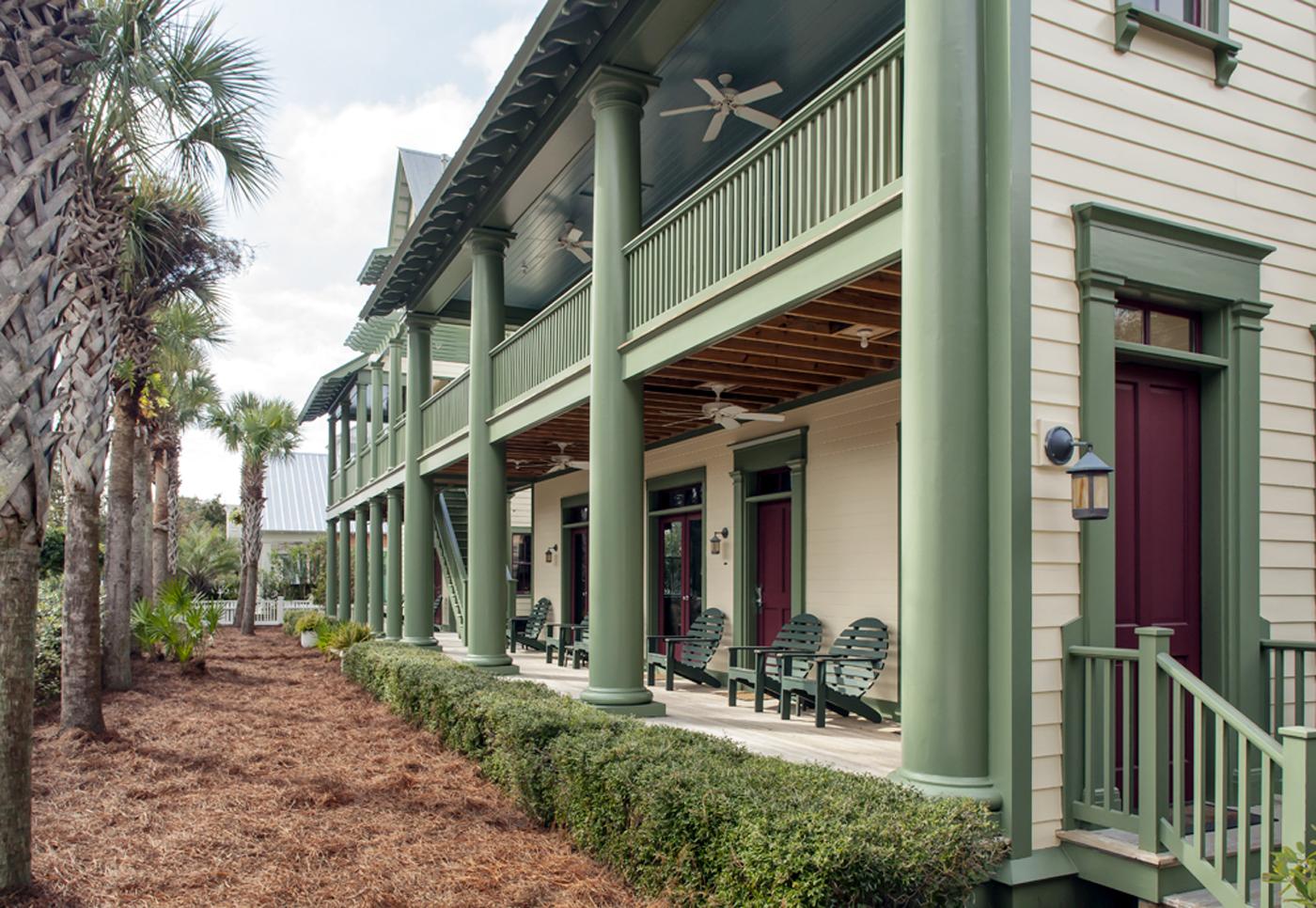Seaside_Florida.Beach.Natchez_House.New_Urbanism.CNU.Courtyard.Walkable.Robert_Orr_&_Associates.Architecture.Landscape_Architecture.Urbanism.Side_Porch.jpeg