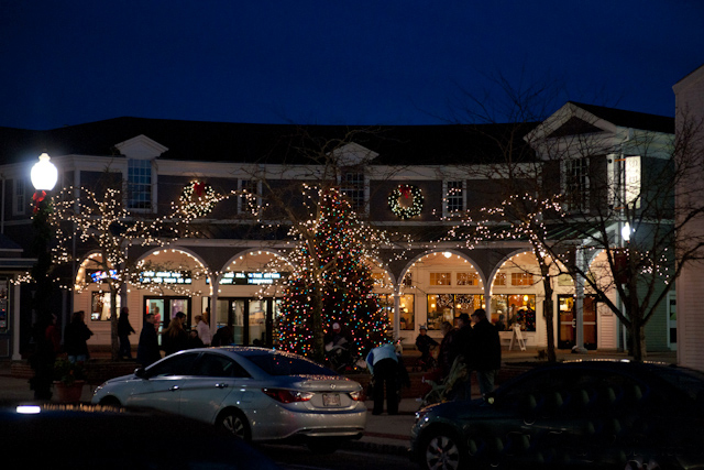 Mashpee_Massachusetts.Mashpee_Commons_TND.Robert_Orr_&_Associates.New_Urbanism.Mixed-Use.Shopping.Retail_Shopping_Night.jpg