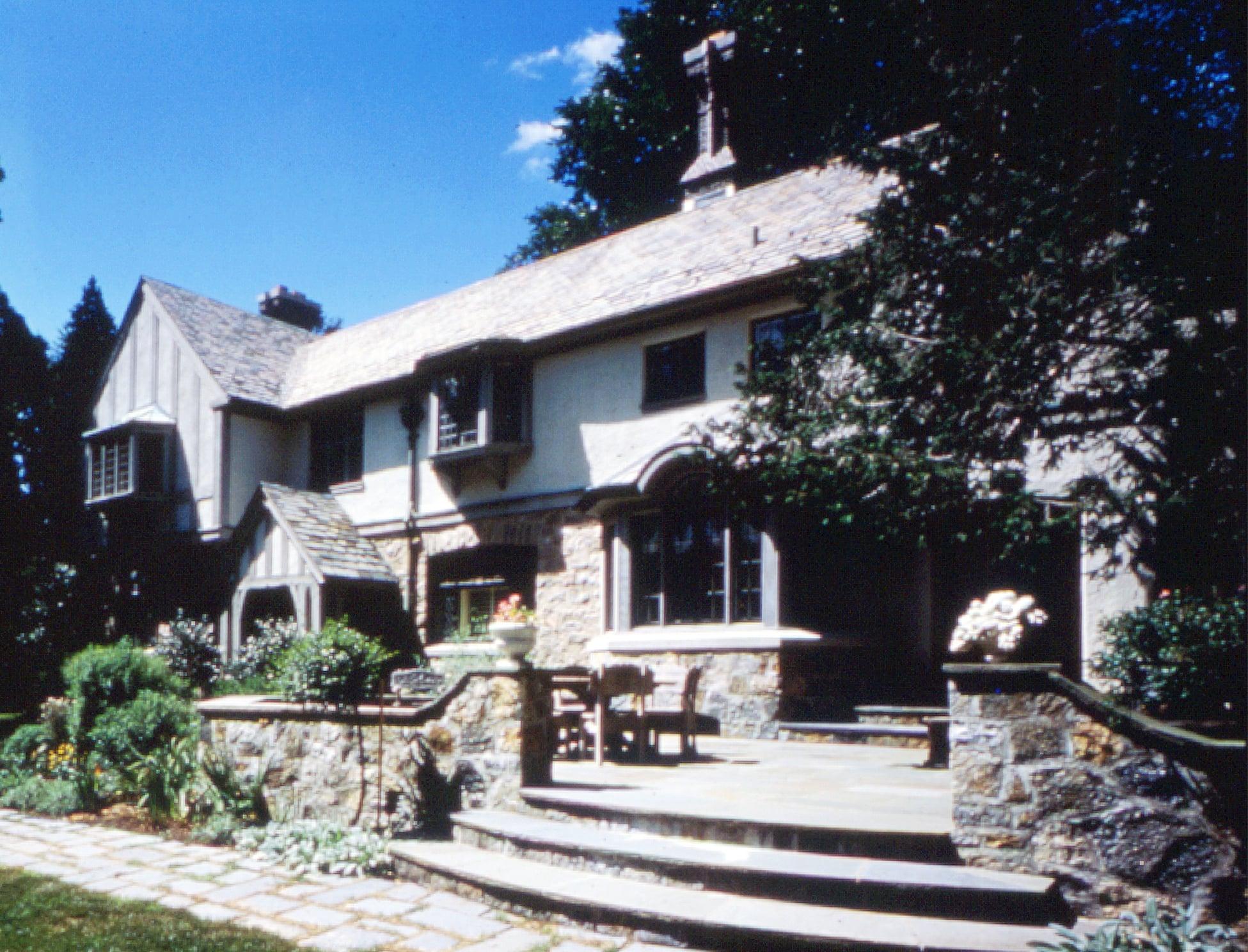 New_Canaan.Connecticut.Forbes.Robert_Orr_&_Associates.Architecture.Landscape_Architecture.New_Urbanism.Cornish.Rear_Terrace_Oblique.jpg