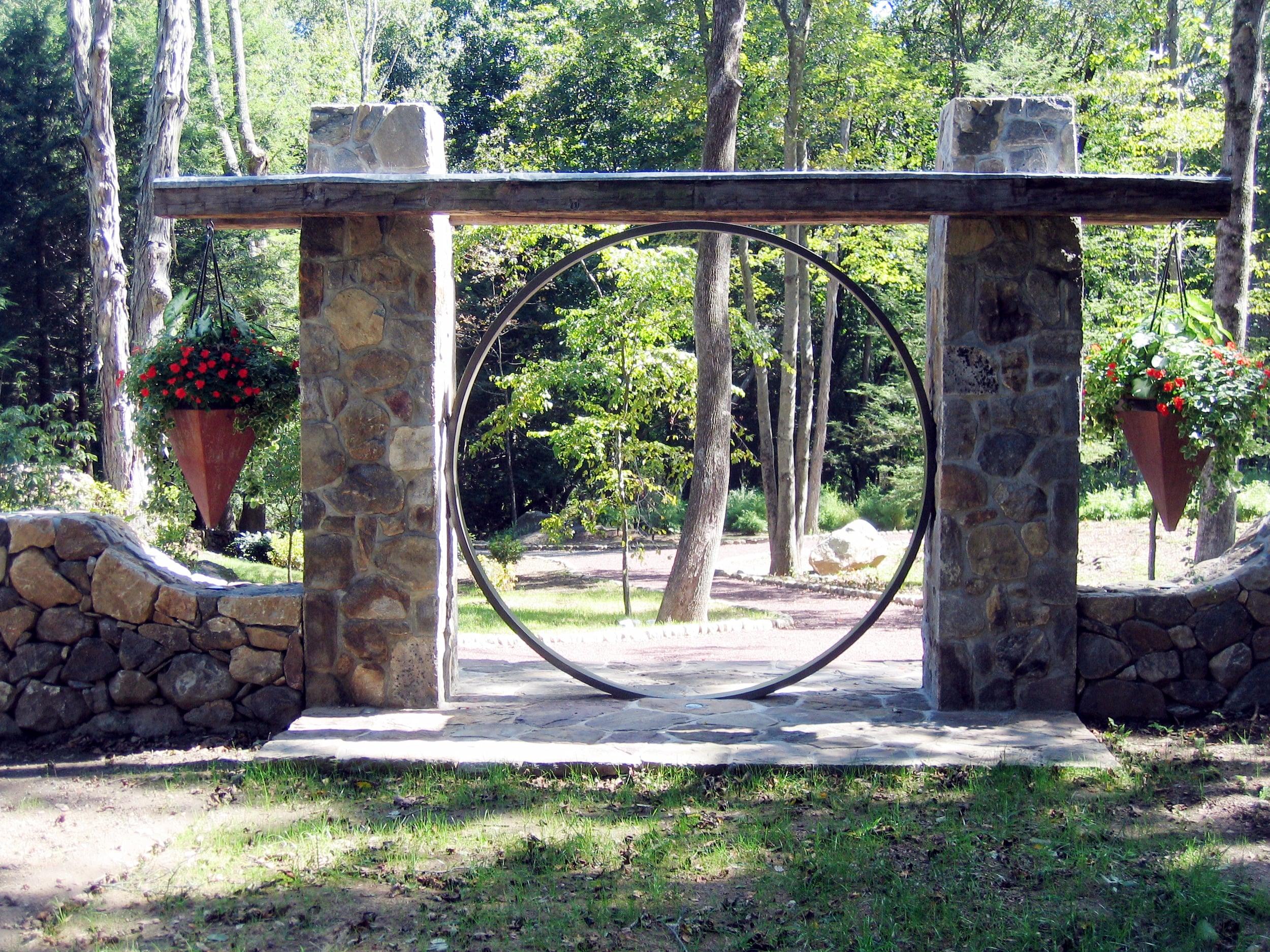 Redding.Connecticut.Moracco.Robert_Orr_&_Associates.Architecture.Landscape_Architecture.Urbanism.Gate.jpg