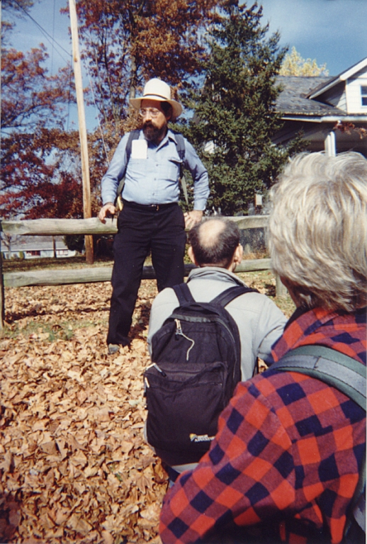Bob Thomas leading a tour