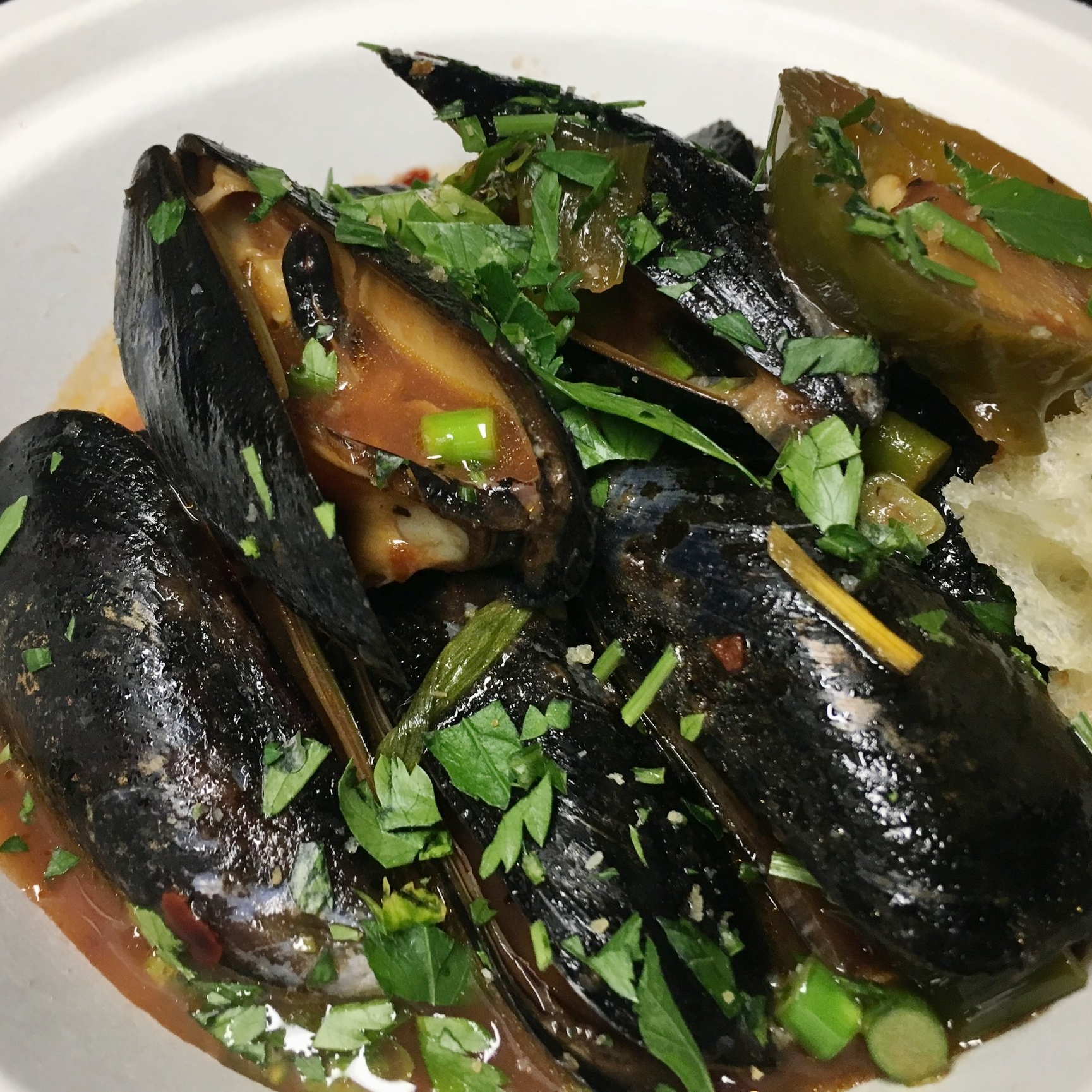 private-catering-farm-to-table-food-truck-mussles.jpg