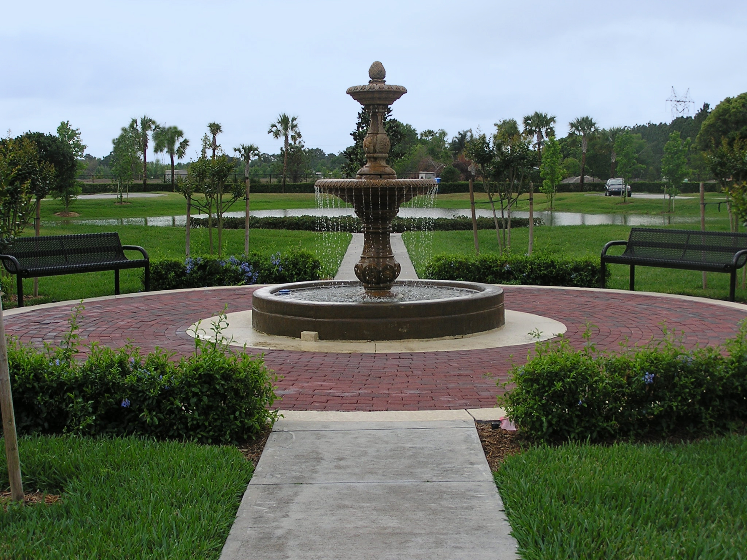 ASHFORD PARK, FLORIDA   A beautifully landscaped town home community nestled in the urban hub of south Seminole county.