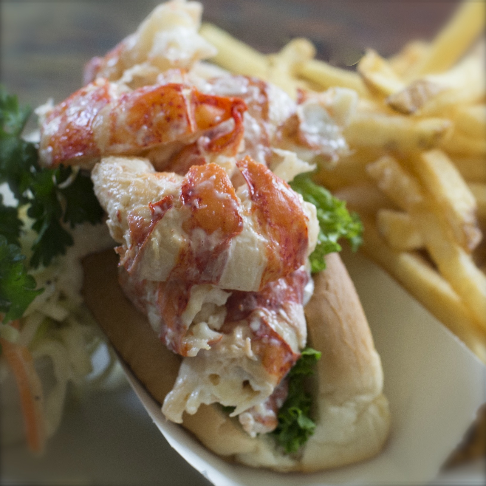 LobsterRoll_TonyRinaldo.jpg