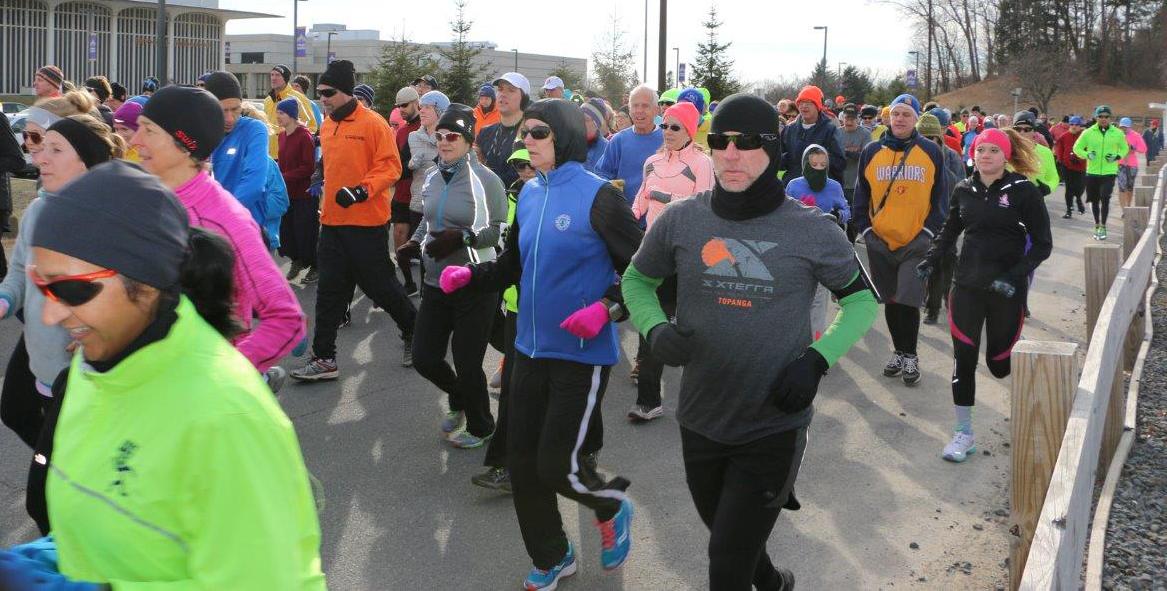 2015 HMRRC Hangover Half-Marathon & Bill Hogan 3.5-Miler.  Charles Bishop