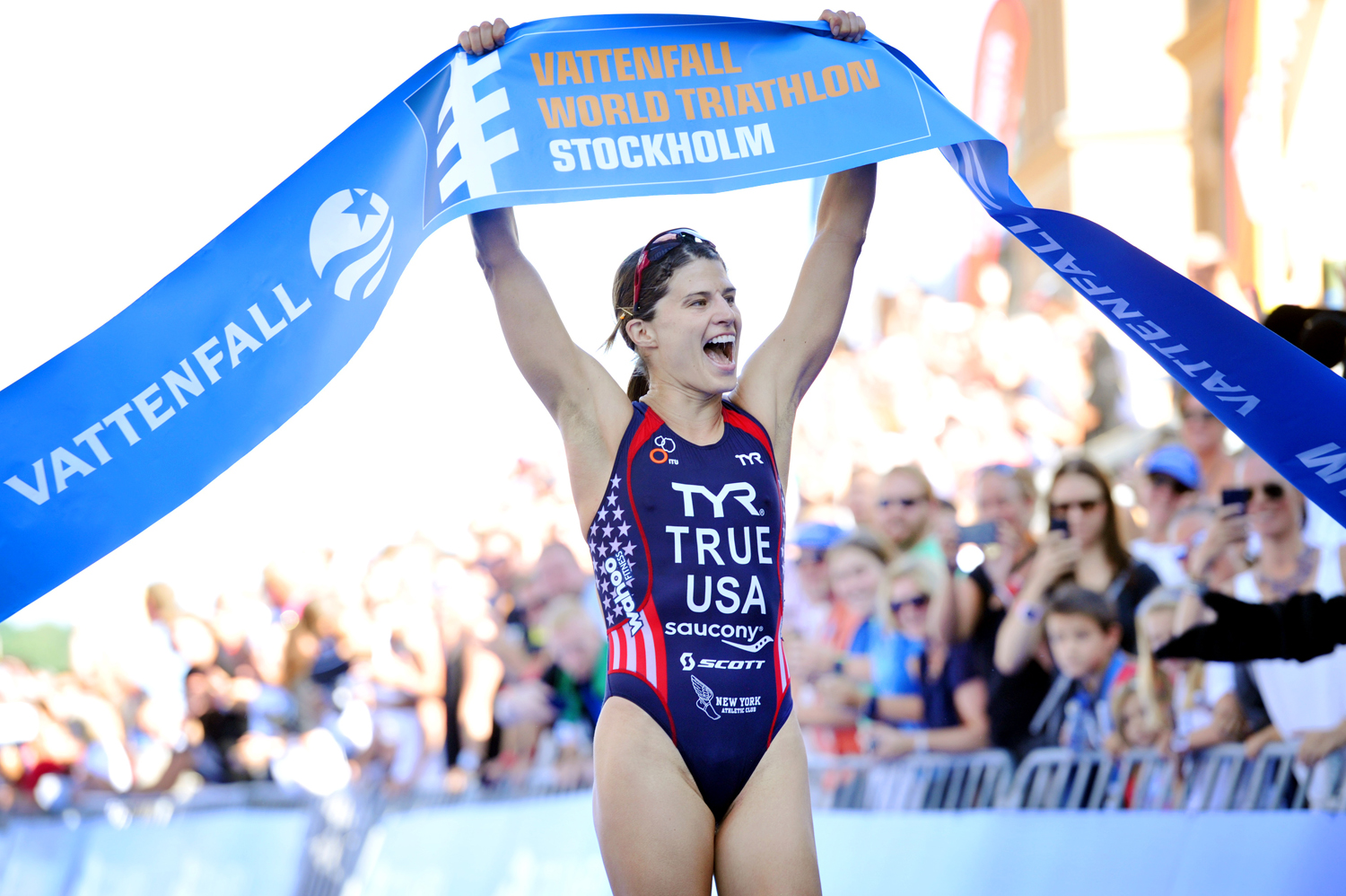 Sarah Defends her 2014 WTS Stockholm title with A 2015 win!   Janos M. Schmidt/ITU