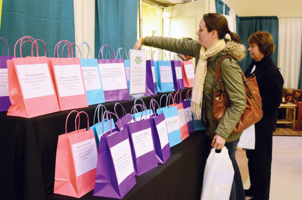 2016-11-winter-expo-prize-bags.jpg