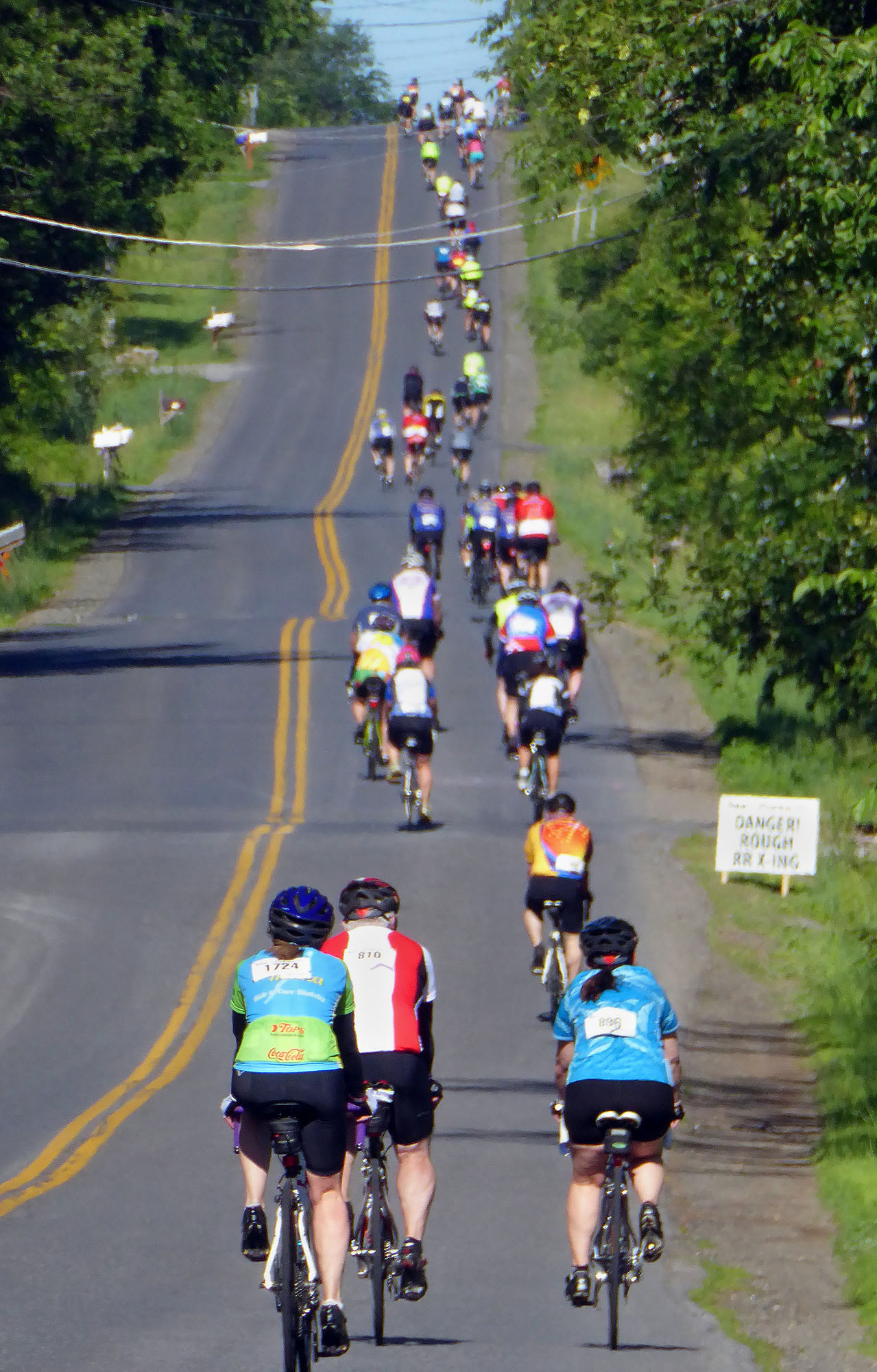 The climb on outlet Road at the 2015 Tour de Cure.  Dave Krau  s