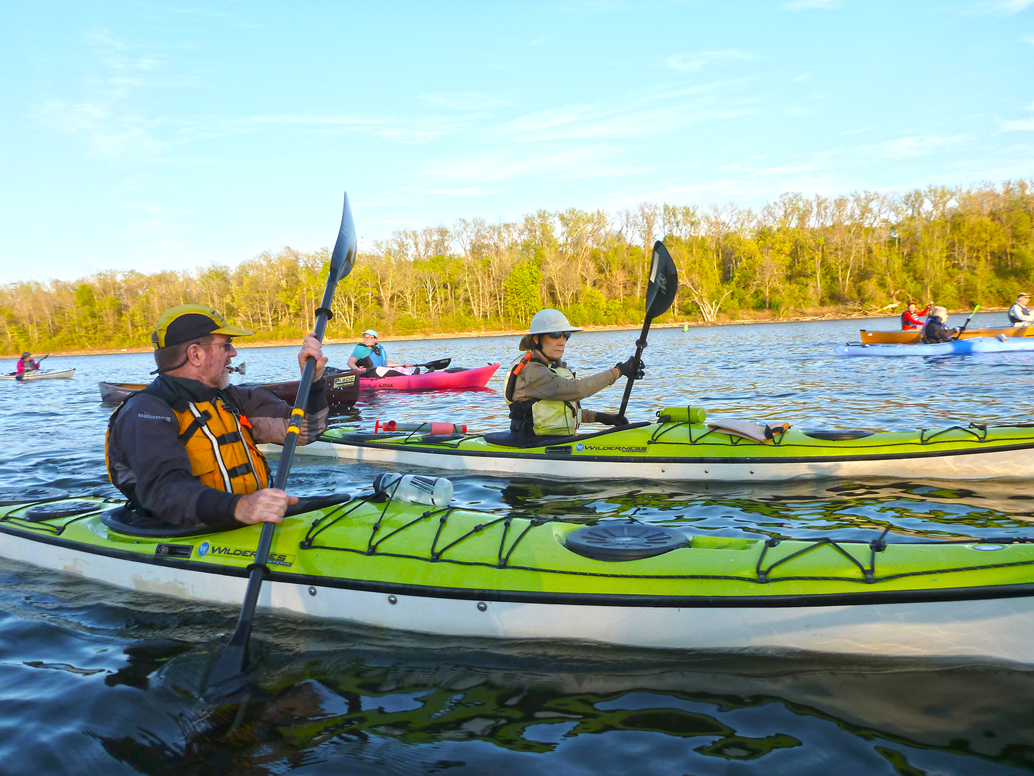Adirondack Mountain Club Albany Chapter paddlers on the Hudson River.  Alan Mapes
