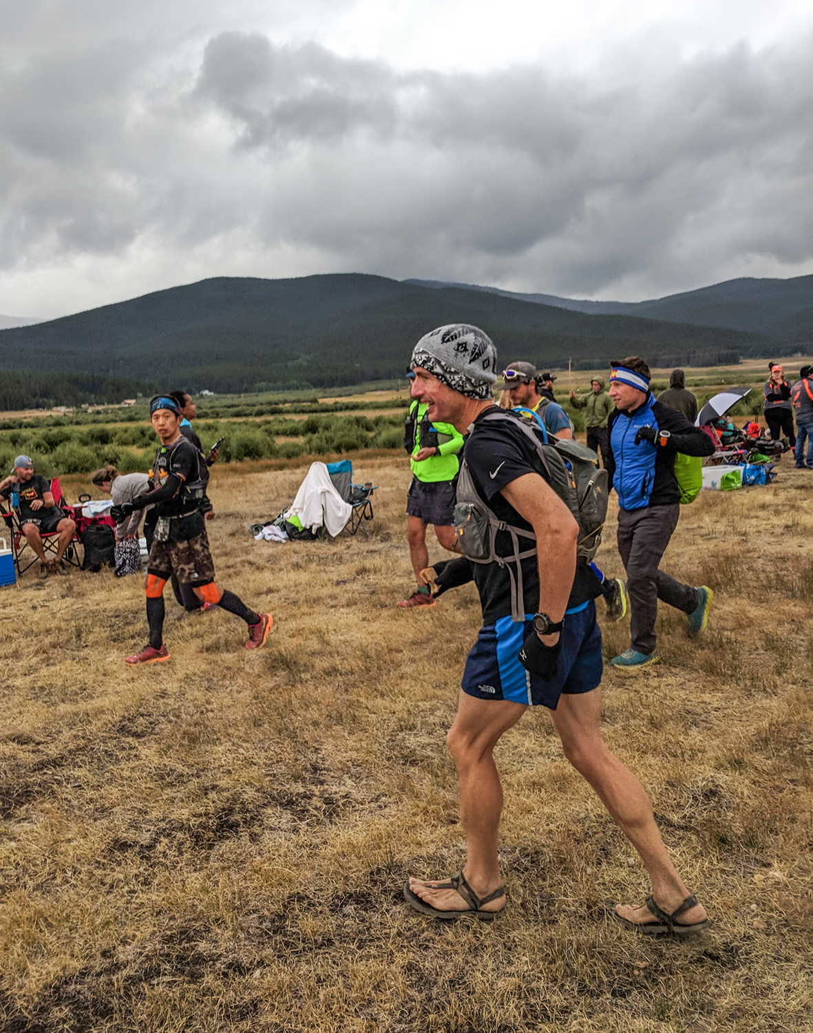 Heading out from an aid station.