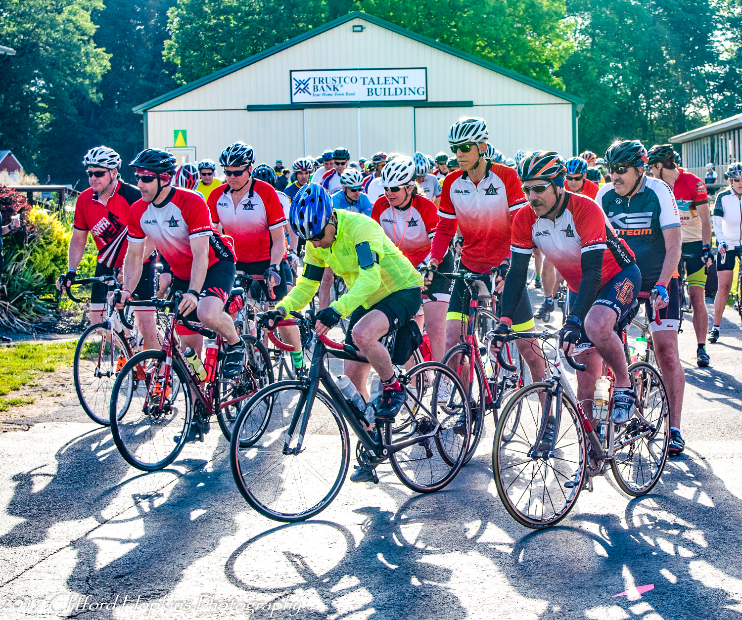 Red Riders (participants with diabetes) roll out at the 2018 Tour de Cure. Clifford Hopkins Photography