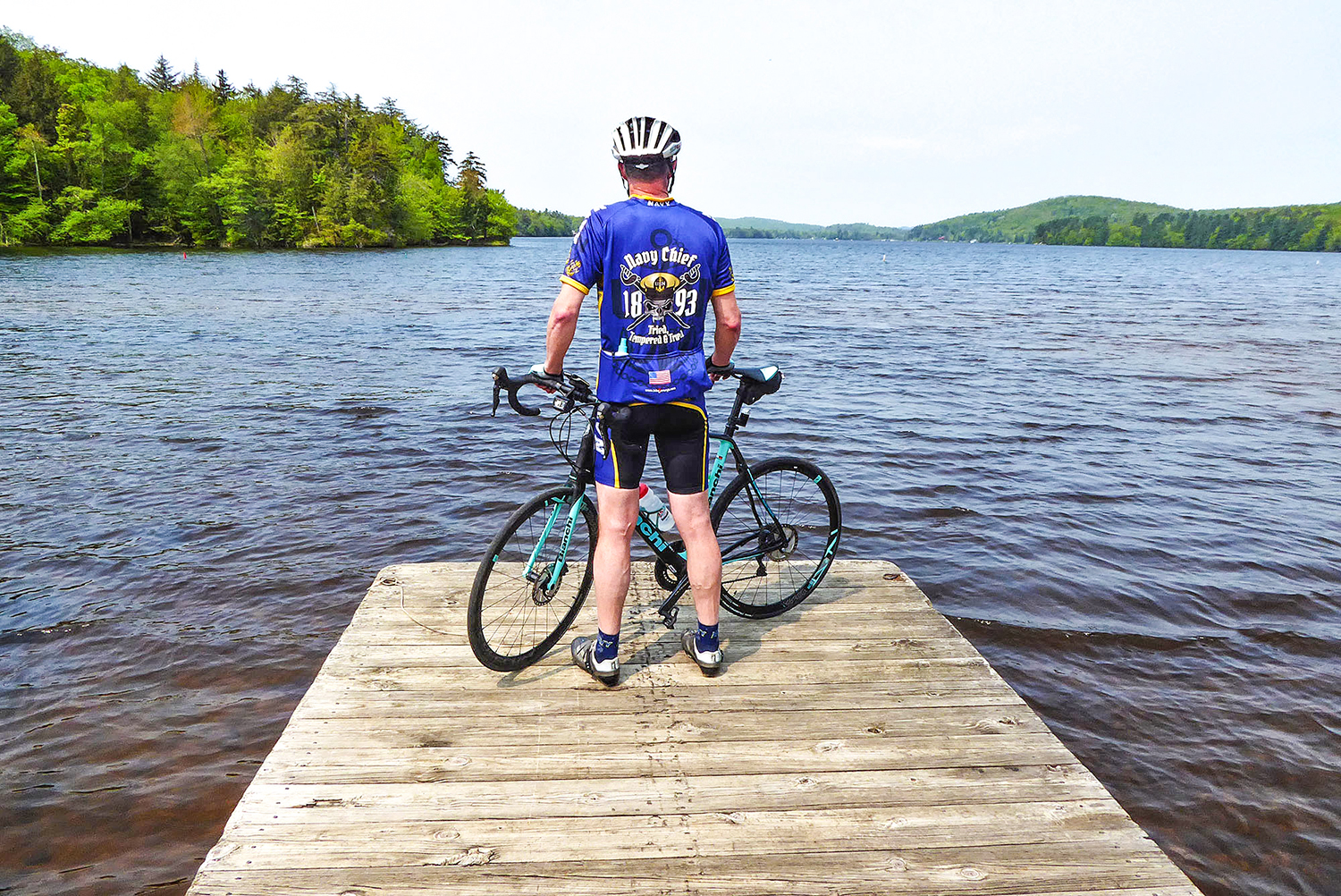 The pace is never too fast to enjoy the scenery. Mark Lurz of Clifton Park at Seventh Lake Boat Launch.  Dave Kraus/   KrausGrafik.com
