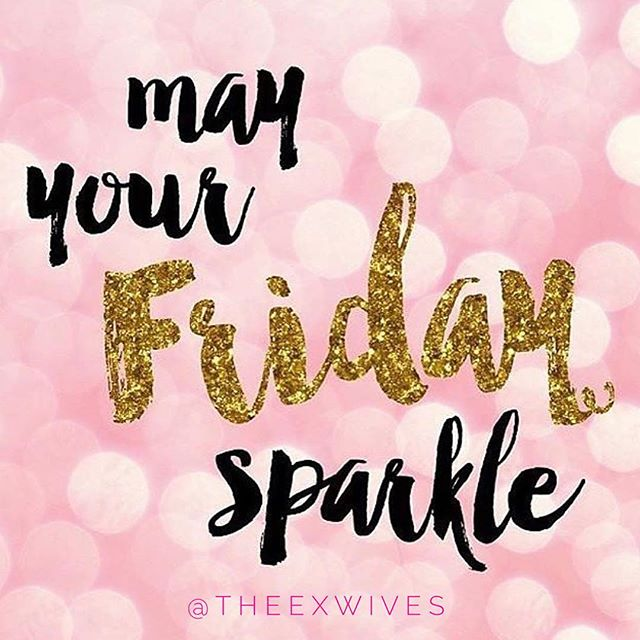 Happy Friday, darlings! Be the *sparkle* in someone's cloudy day 💗