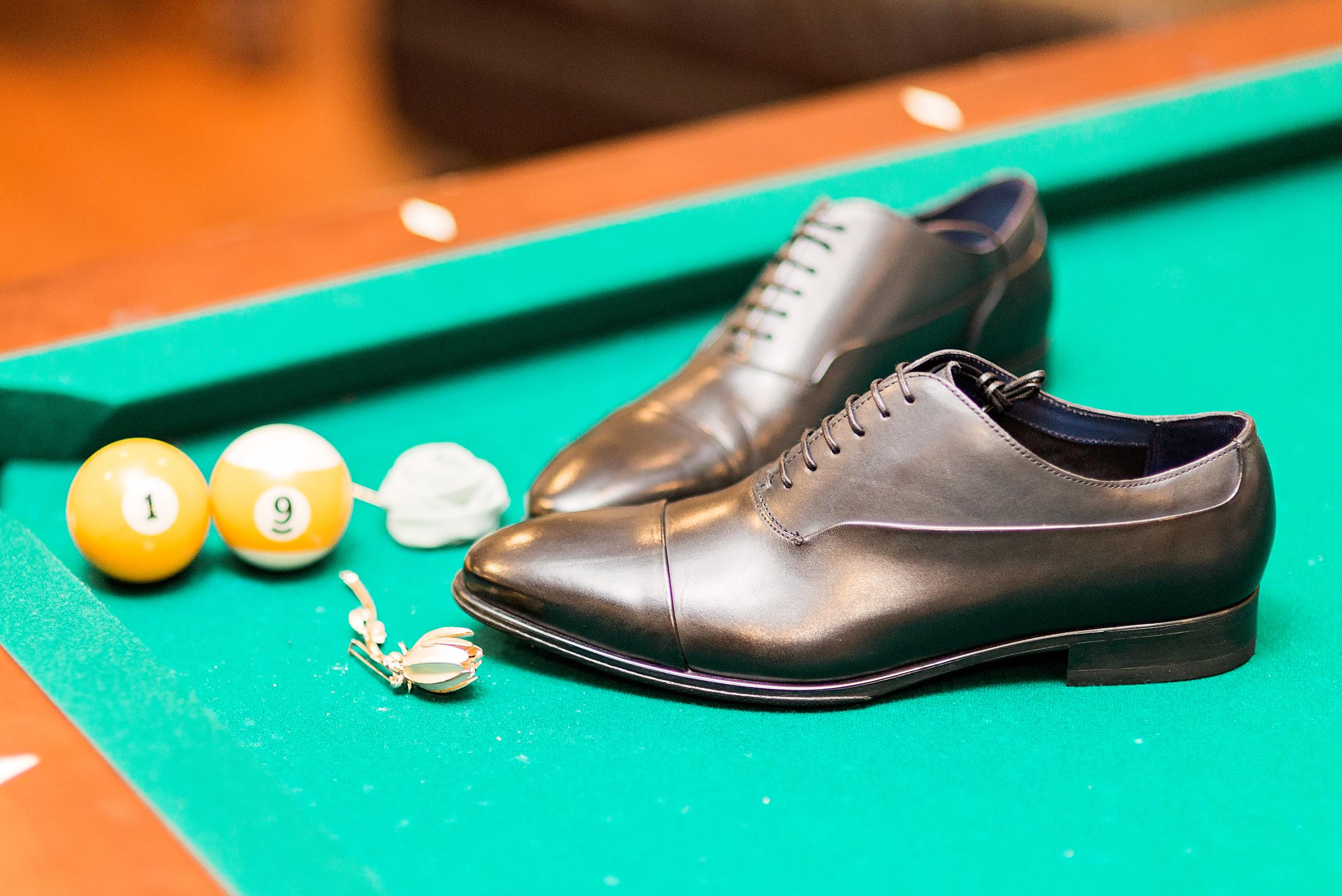 Houston Wedding- Pharris Photography- Texas Photographer- Jennifer and Ernie- Groom Style- Accessories