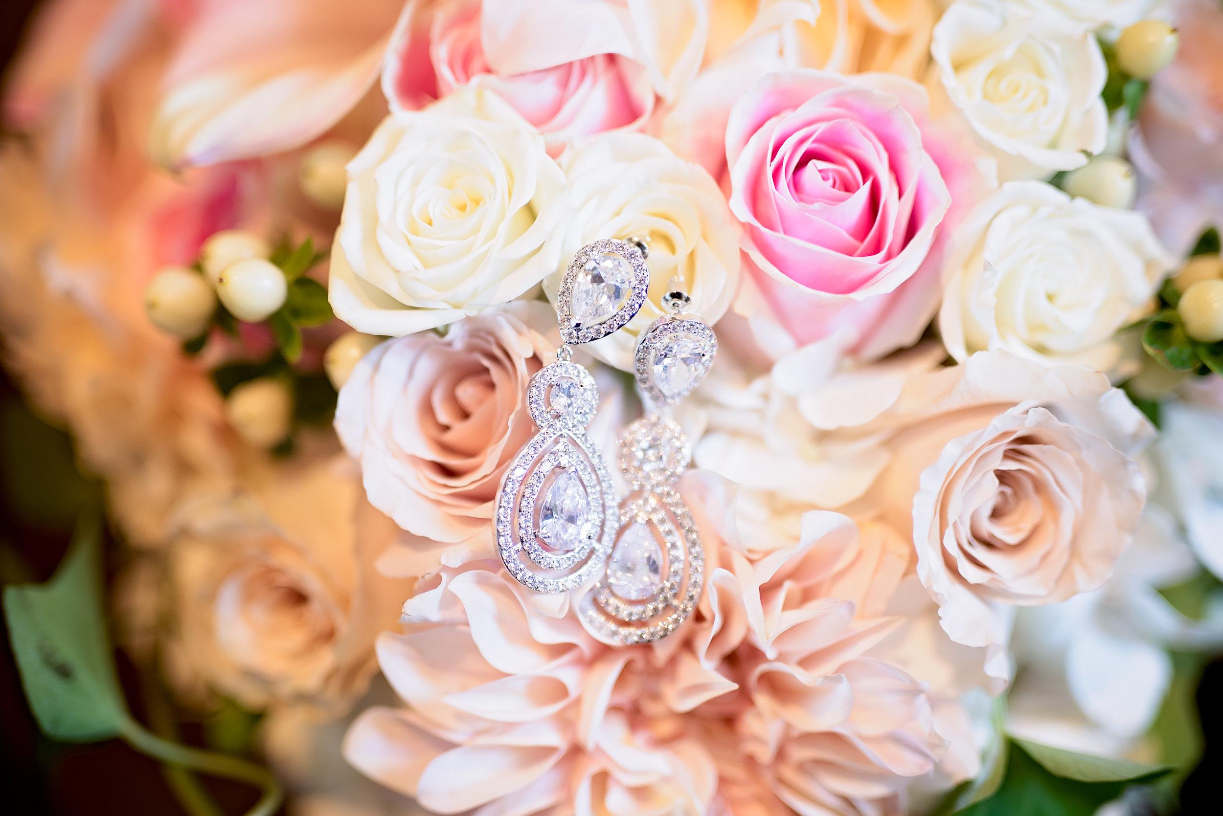 Dallas Wedding- Texas Photographer- Pharris Photography- Carrington and Maxx- Bridal Bouquet