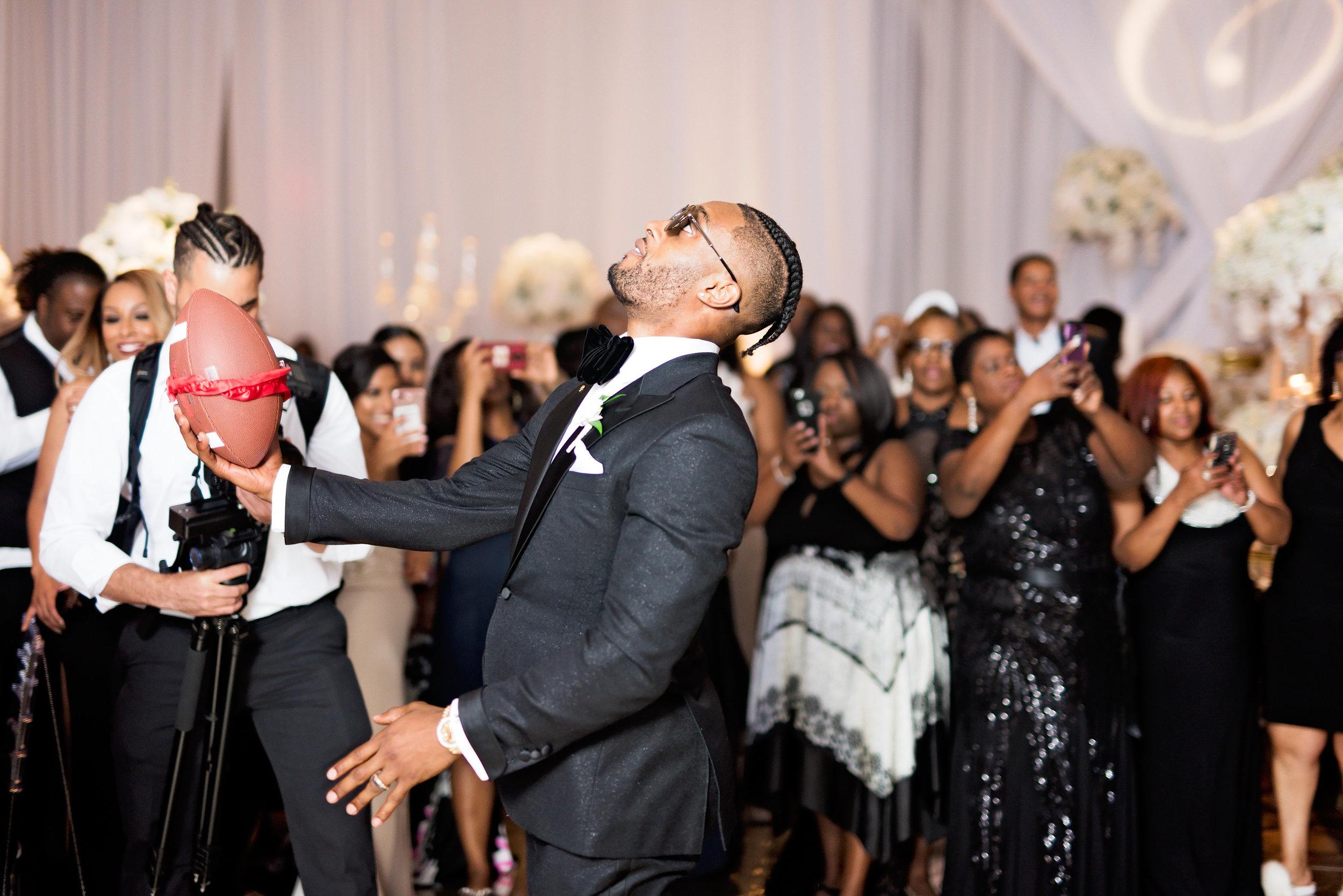 Angela Michael Colvin-Dallas Wedding-Pharris Photography-Blog-0067.jpg