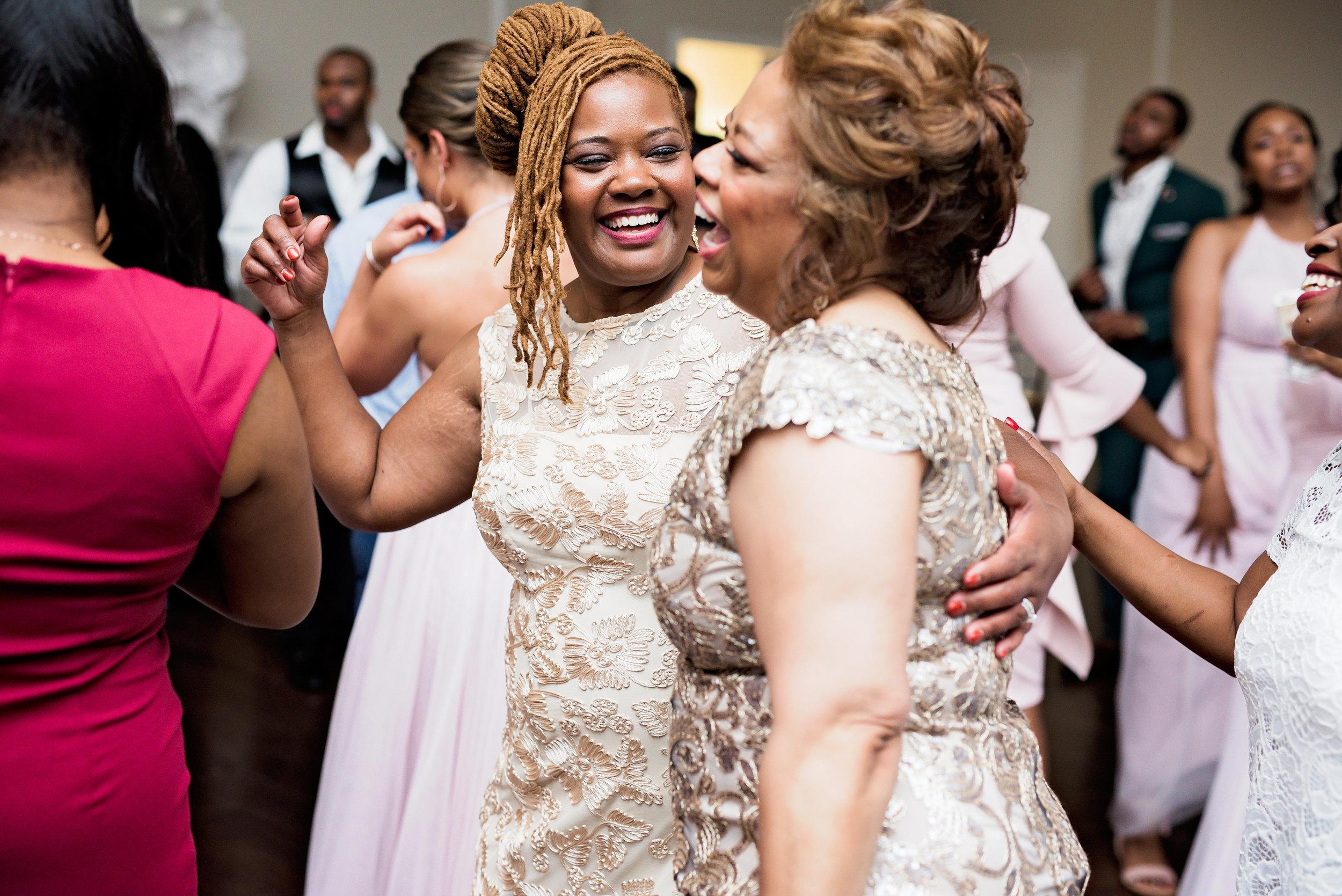Winston-Hebran-Parkway-Wedding-Pharris-Photography--0337.jpg