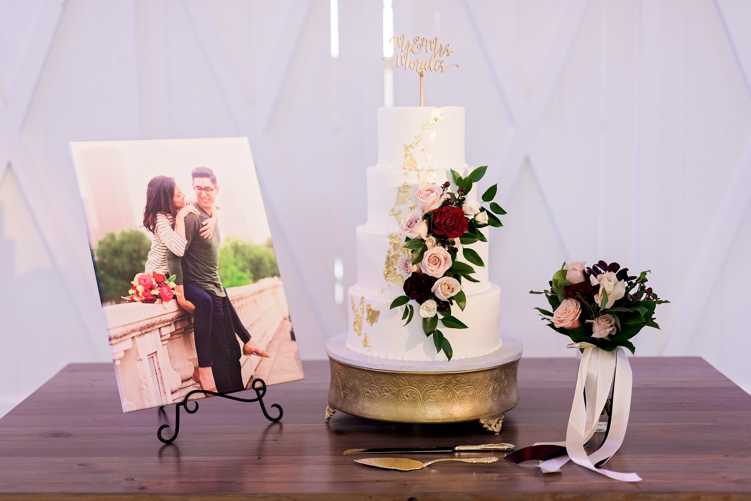 Texas Wedding- Pharris Photography- Melody + Moses- Wedding Details- Wedding Cake