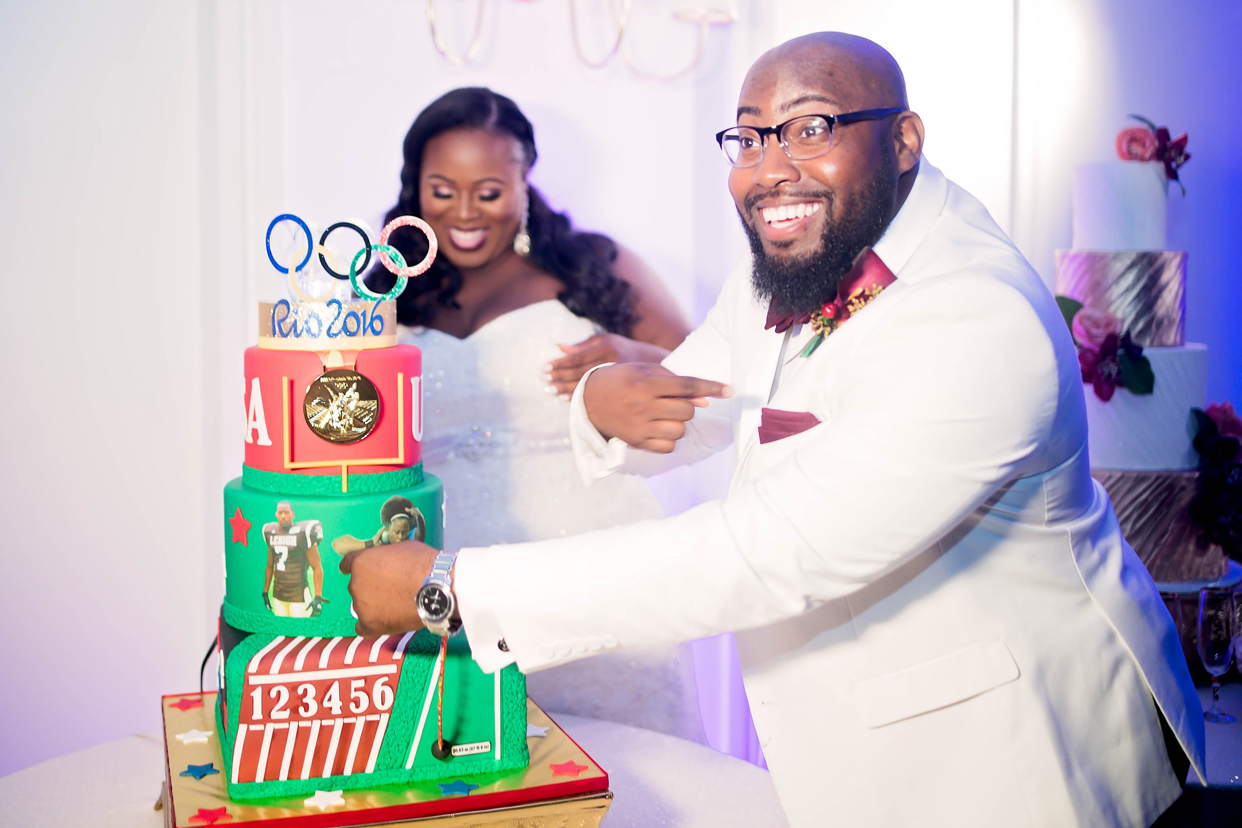 Michelle and Courtney- Pharris Photography- Dallas Wedding- Texas Wedding- Wedding Cake