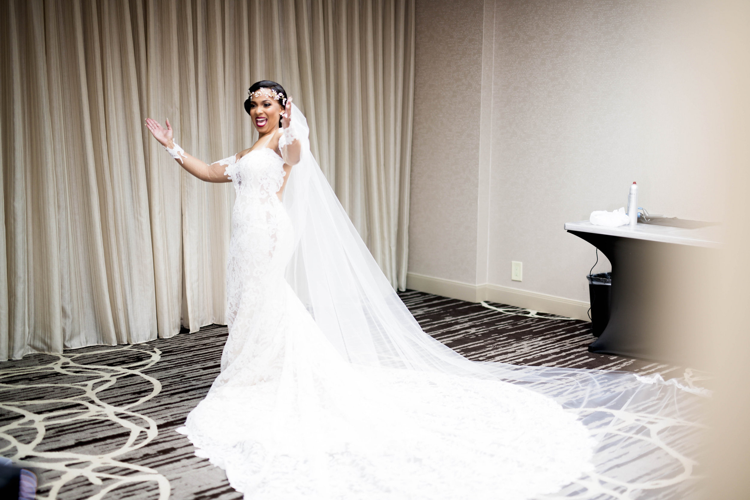 Pharris Photography- Houston Wedding- Krystyn and Joshual- Texas Wedding- Bride- Getting Ready- Lace Wedding Dress