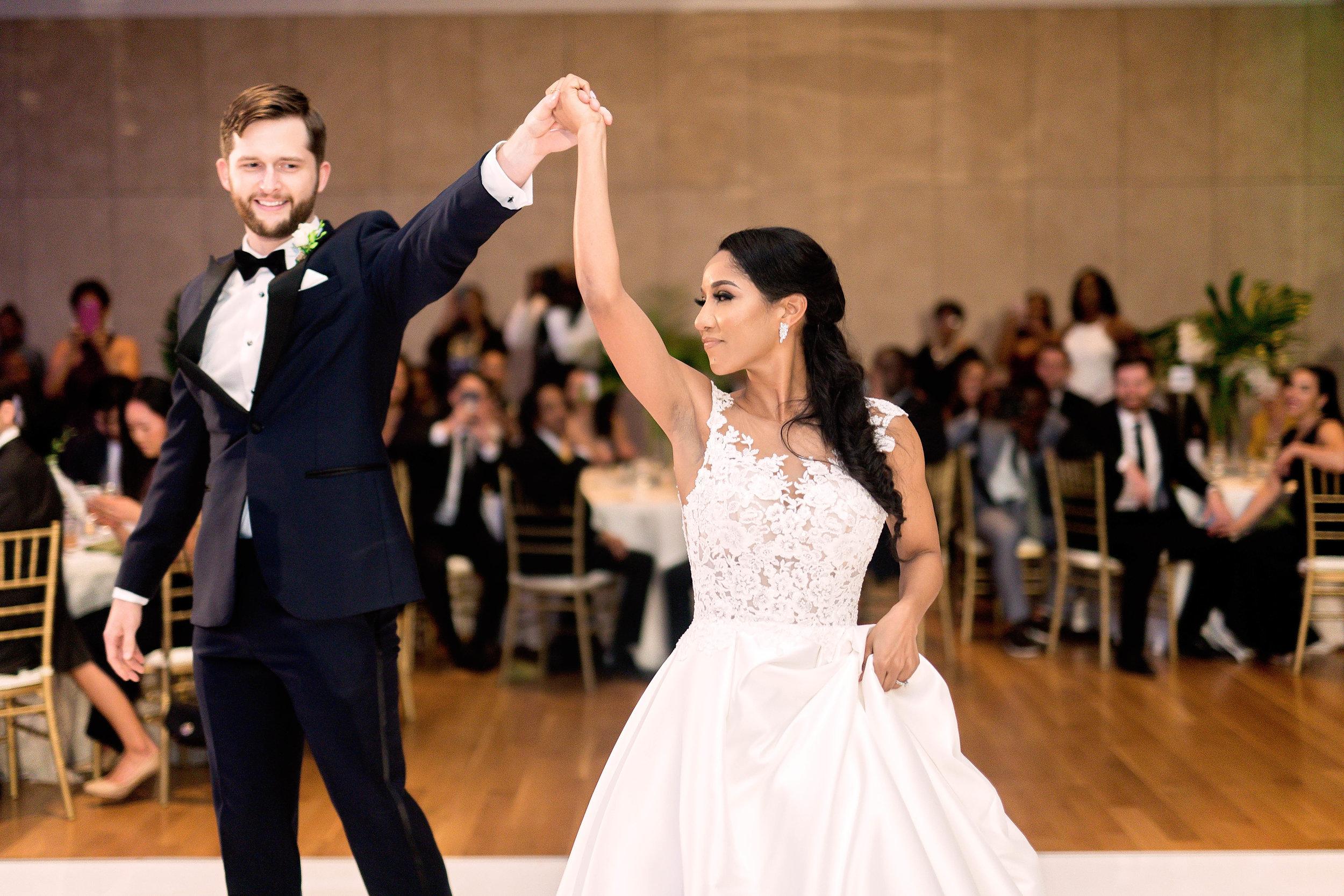 Houston Wedding- Pharris Photography- Reception- Natalie + Mark- First Dance