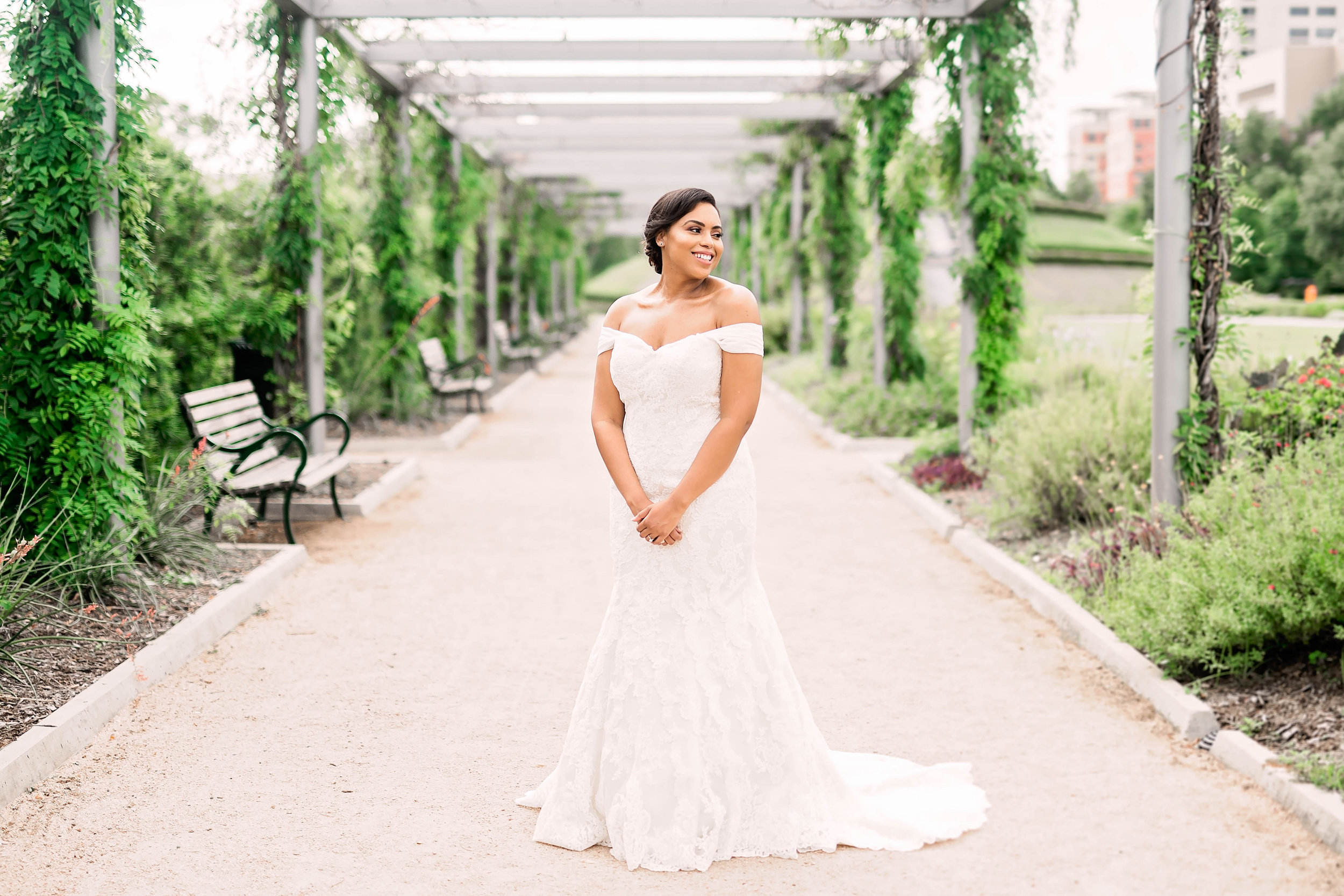 Pharris Photography- Bridal Portraits- Houston Bride- Kristin Brown
