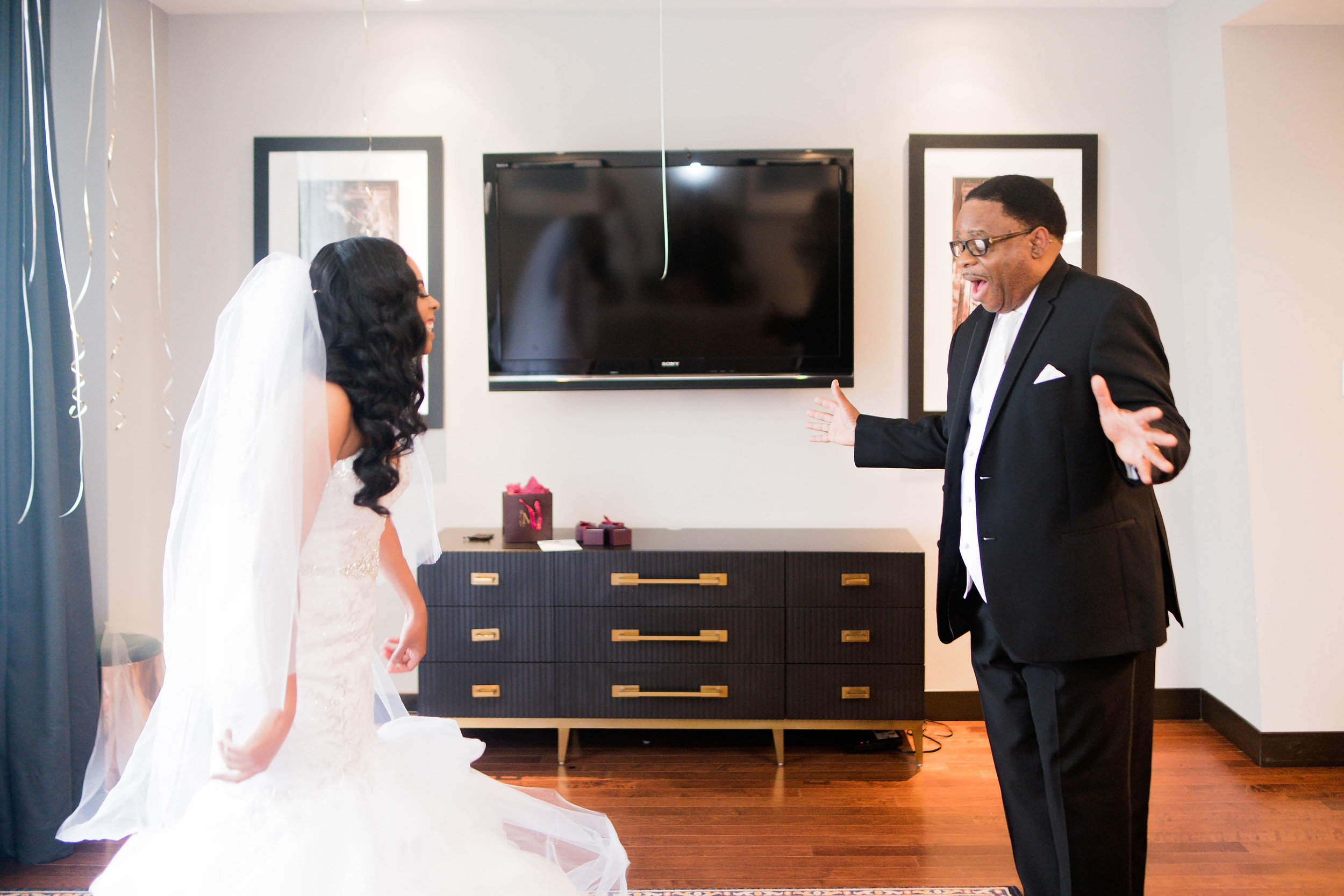 Tulsa Wedding- Pharris Photography- Getting Ready- Darla + Quinton -First Look at the Bride- Father Daughter