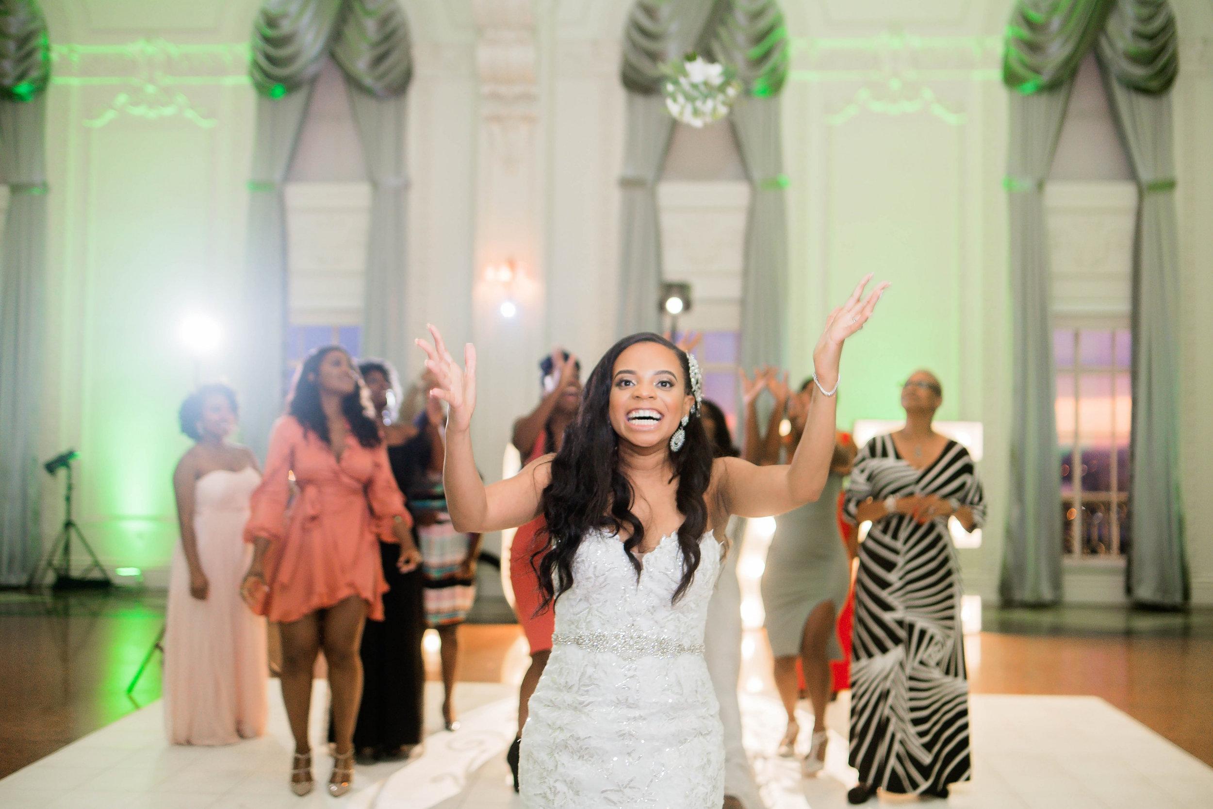 Tulsa Wedding- Pharris Photography- Reception- Darla + Quinton- Bouquet Toss