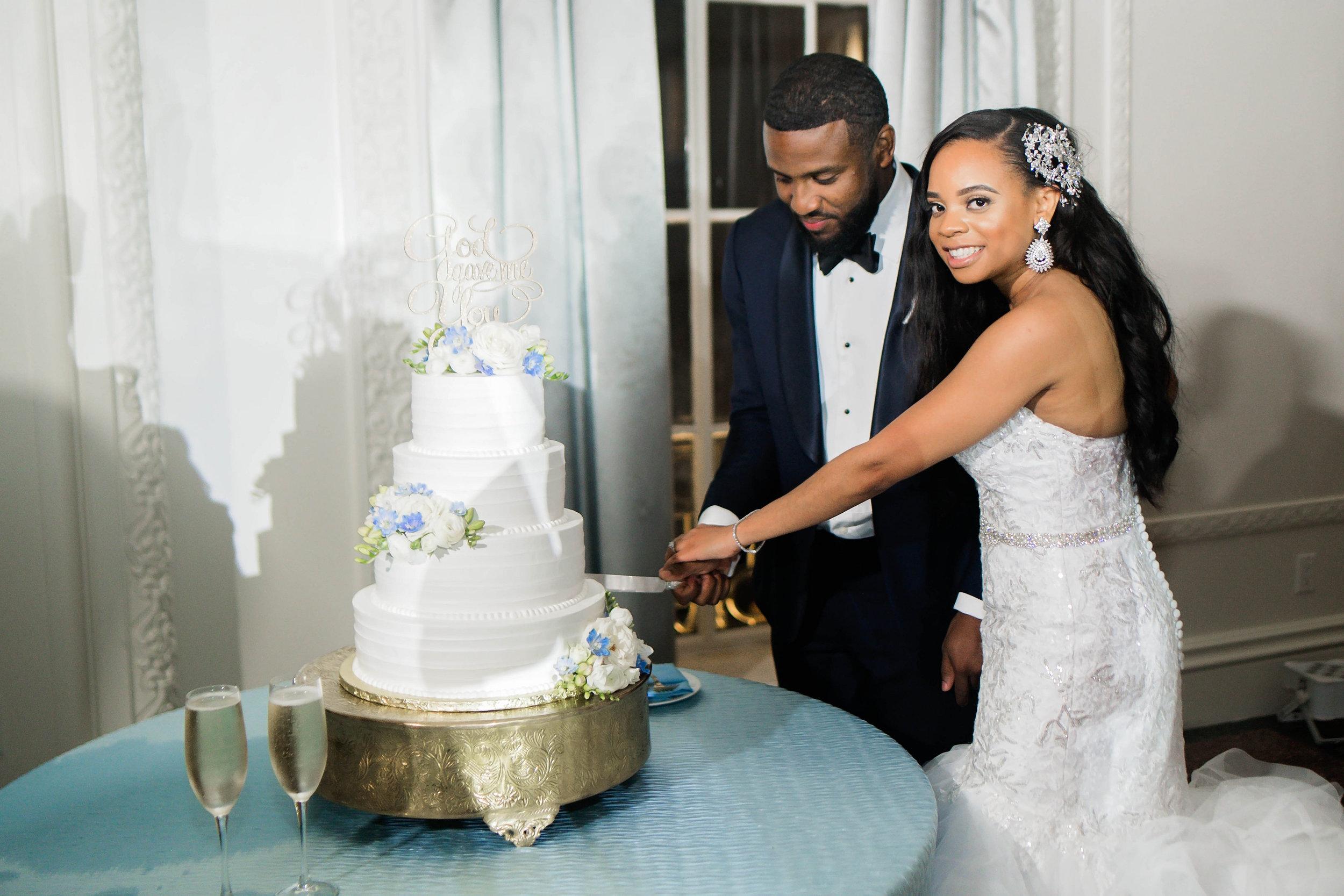 Tulsa Wedding- Pharris Photography- Reception- Darla + Quinton- Cake Tasting