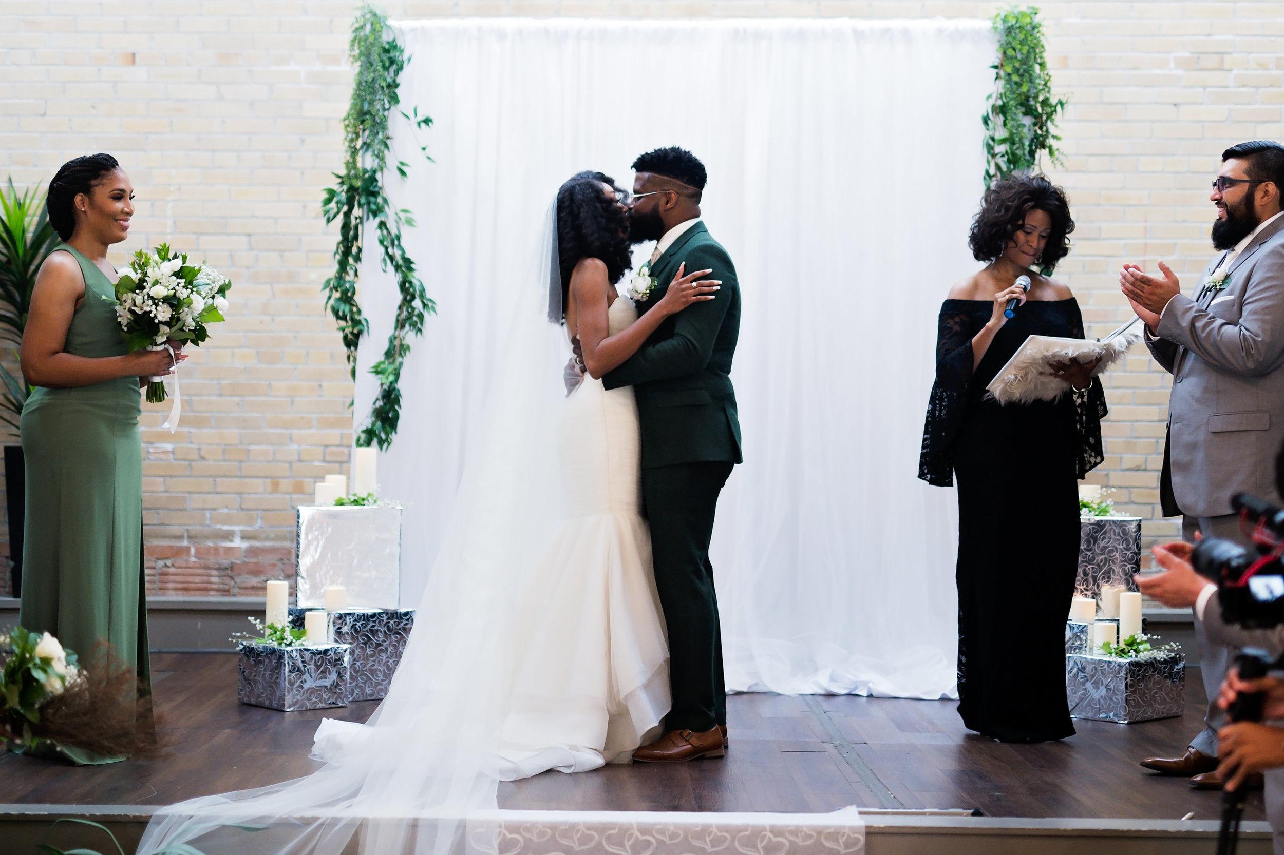 Houston Wedding- Pharris Photography- Ceremony- Lorece + Jeremy- First Kiss