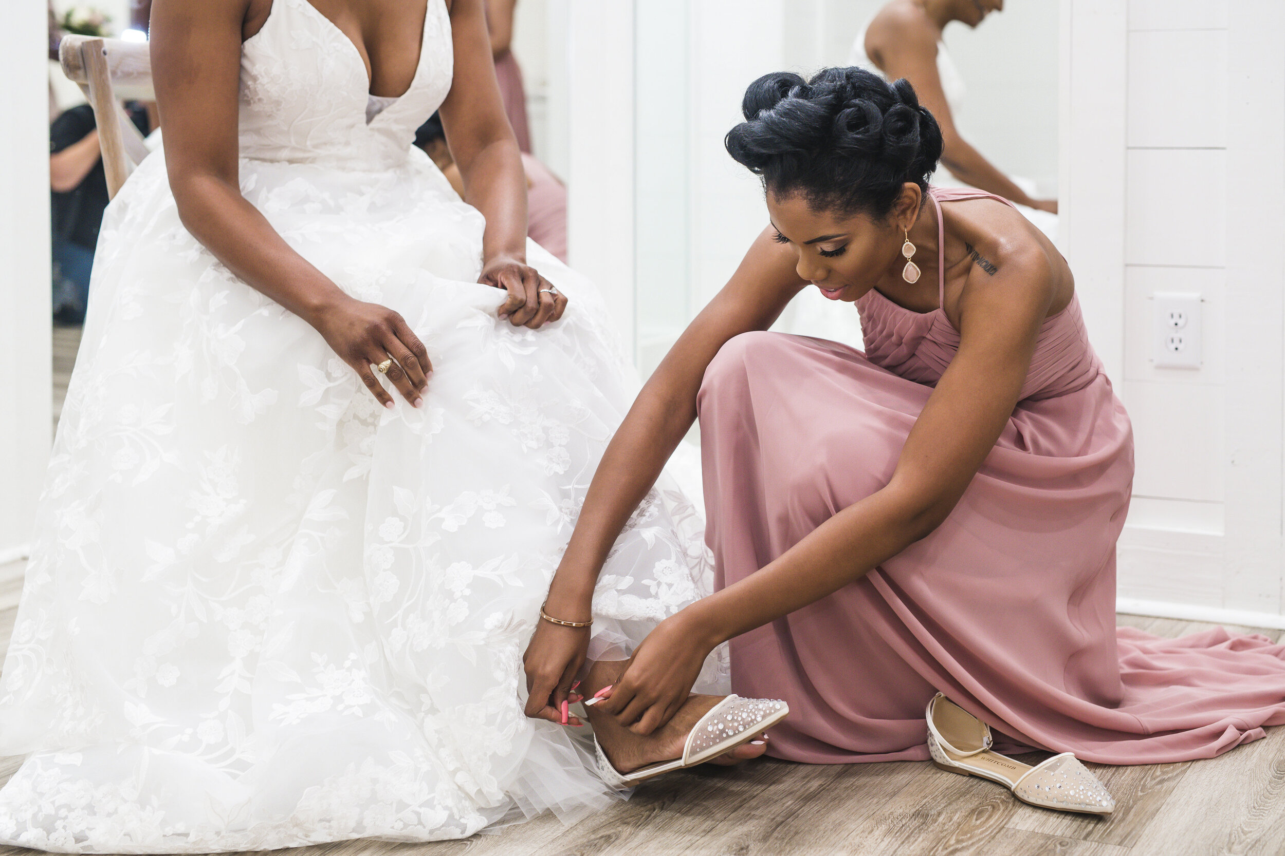Dallas Wedding- Pharris Photography- Getting Ready- Alexiss + Chaz- Maid of Honor