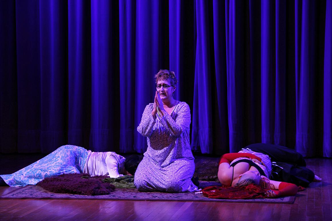 Morfin+praying+IMG_0200.jpg