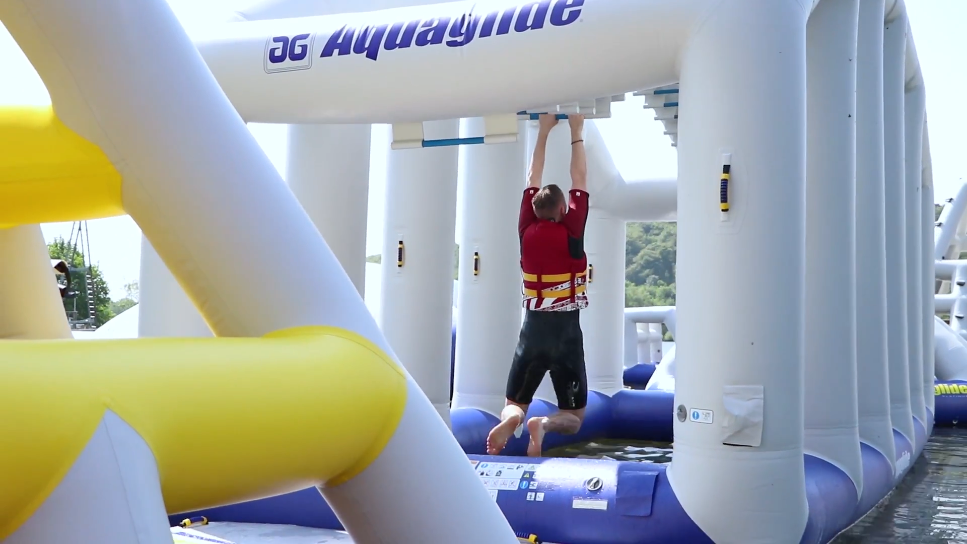 For Eagle Radio's Deal Of The Week, Presenter Jack Johnson got an exclusive look at Thorpe Lakes Aquapark in Chertsey, London's ultimate, floating, inflatable, obstacle course.