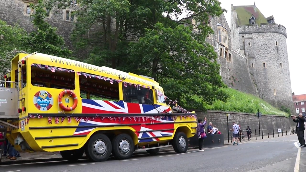 If you want to see both the picturesque River Thames and Windsor Castle then there's only one thing to do – go on a Windsor Duck Tour.