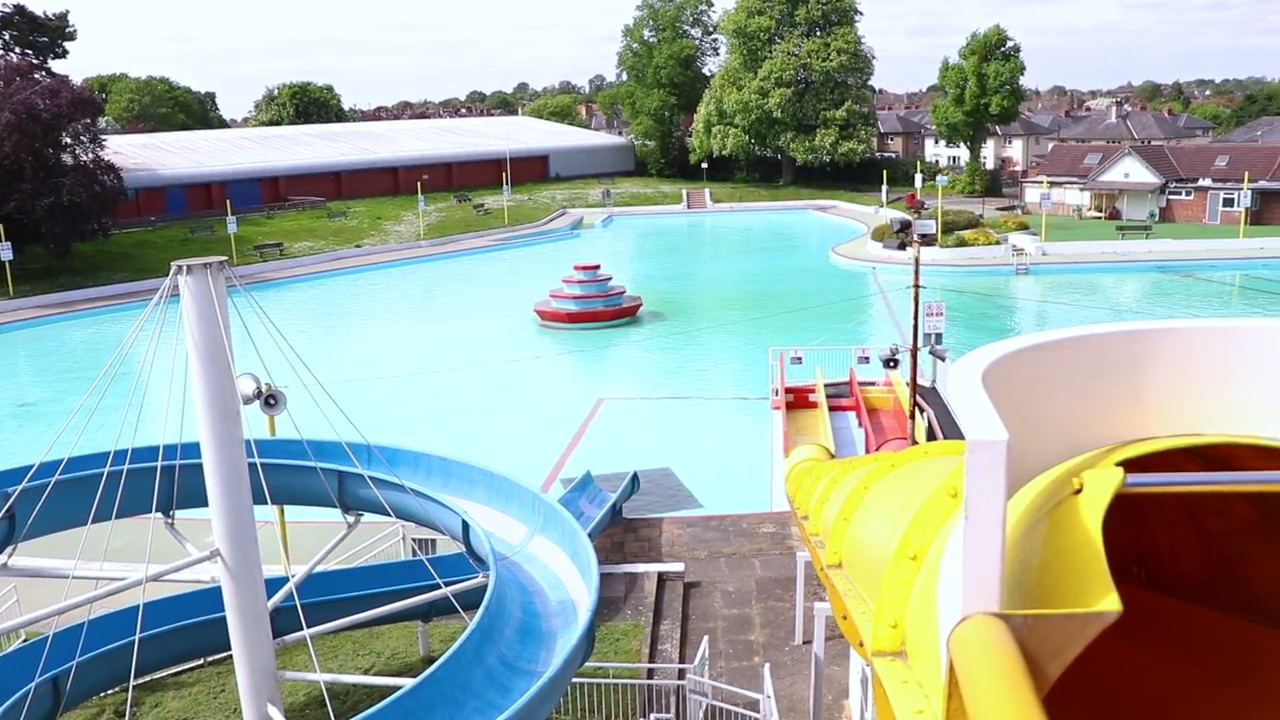 Right in the middle of Aldershot and just over the North East Hampshire border, the Aldershot Lido is one of the main things to do in Surrey in the Summer.