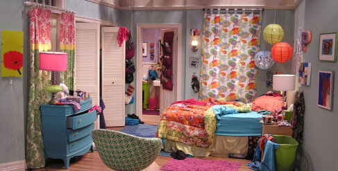 Which classic sitcom is this set from?