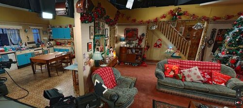 Which popular UK sitcom includes this festive set?