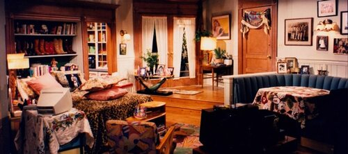 Which sitcom featured this bedroom/living room set combination?