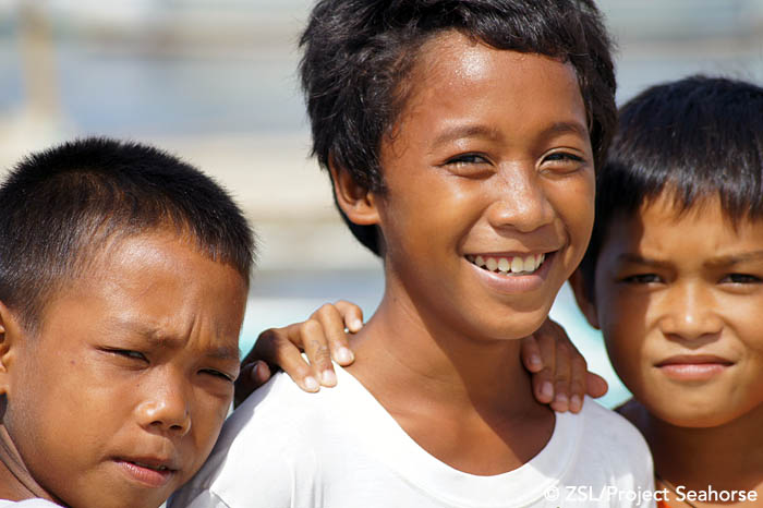 Smiling faces.  Photo: Chai Apale/Project Seahorse