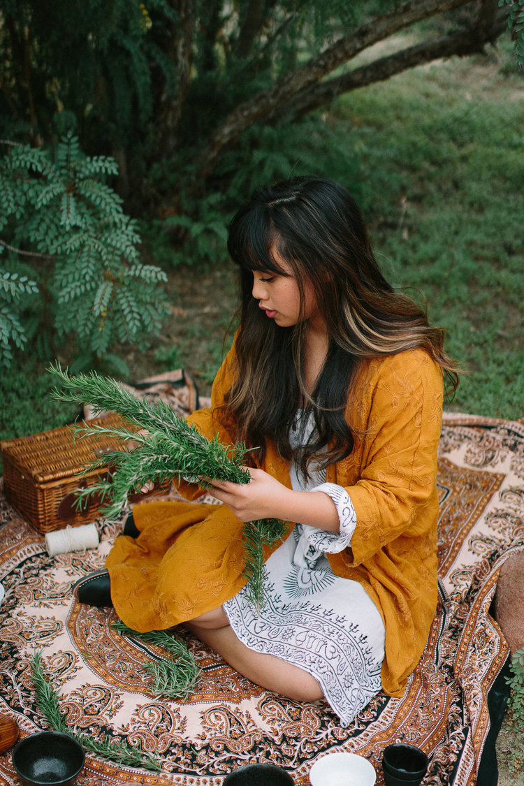 Colleen Grace - WEBSITEPRONOUNS: SHE/HER/HERSColleen is a California-based reiki master, budding herbalist, and writer for her personal holistic wellness blog, Om in Bloom.