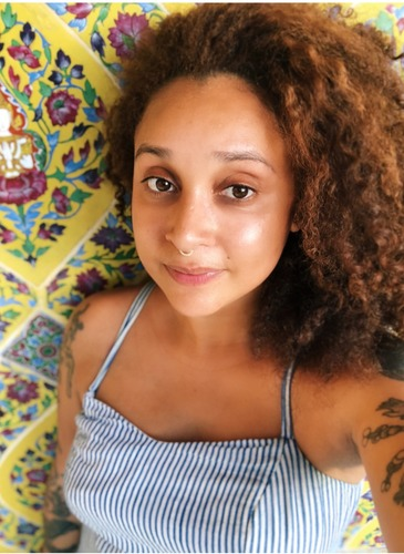 Raven - Burgos,MSWis a Therapist and Native New Yorker. Learn more about her work and her, here hellohappiness