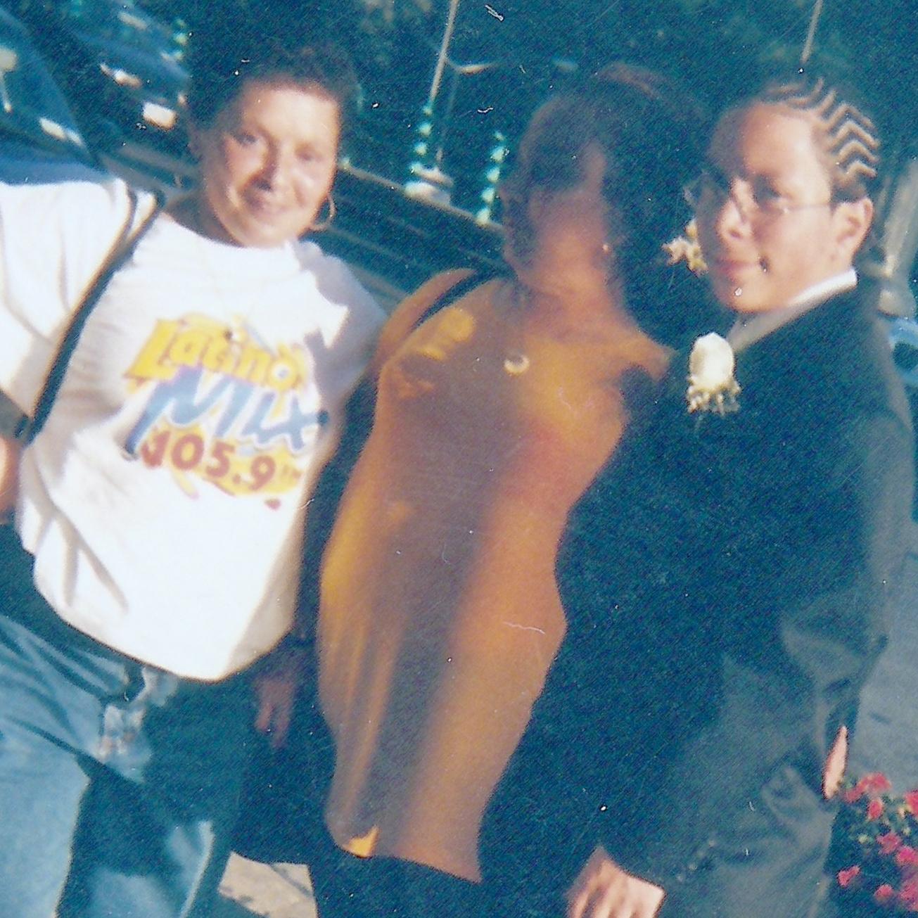 [L-R] Tia Margarita, Grandma & Andrew