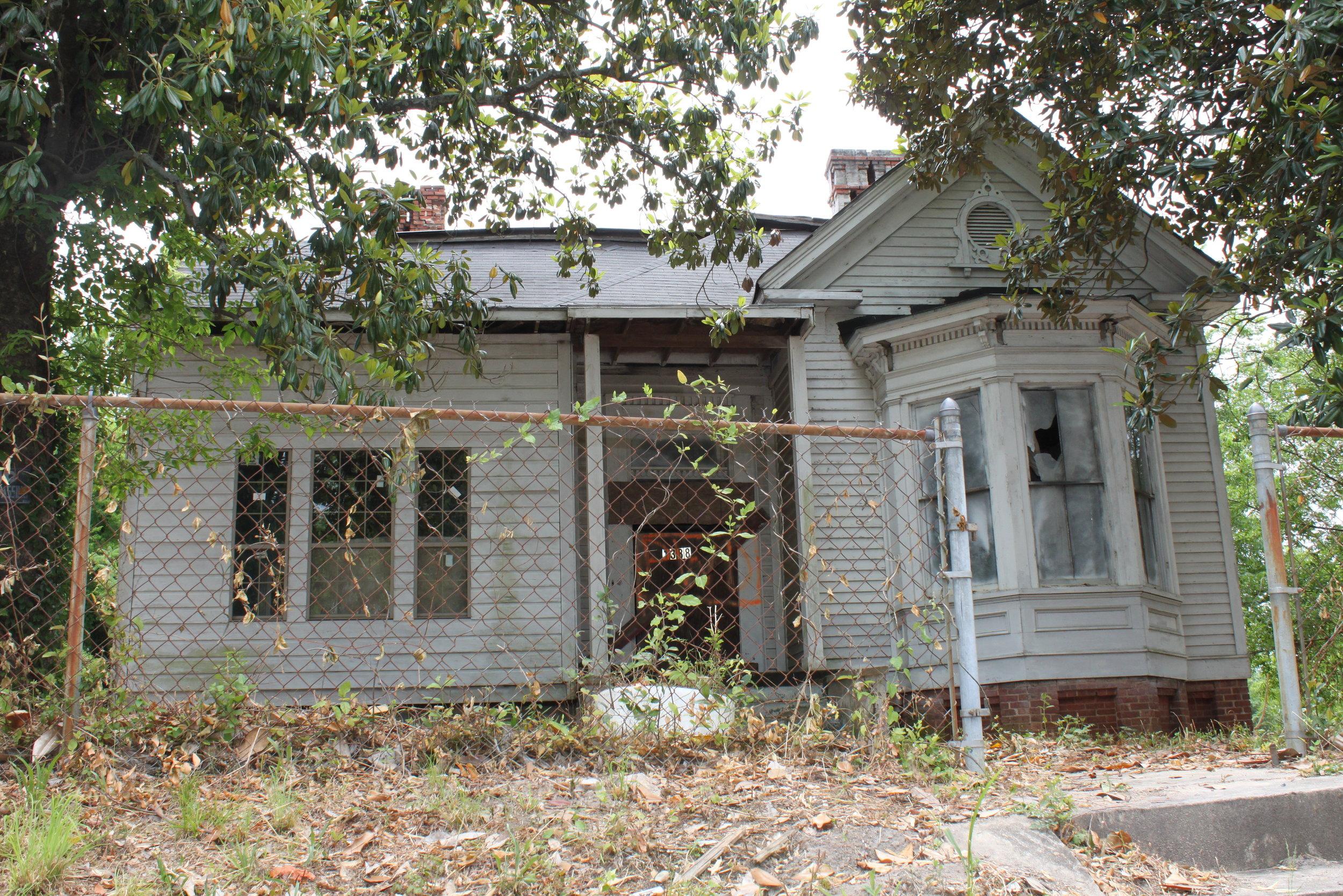 1388 Calhoun Street, Before