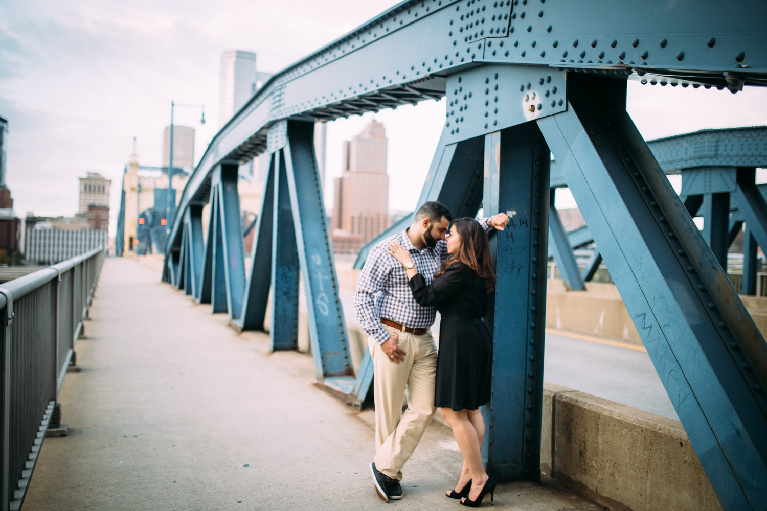 Ashley-reed-photography-pittsburgh-engagement-engagementphotography-engagementphotographer-stationsquare-statio-square-pittsburghengagementphotography-28.jpg