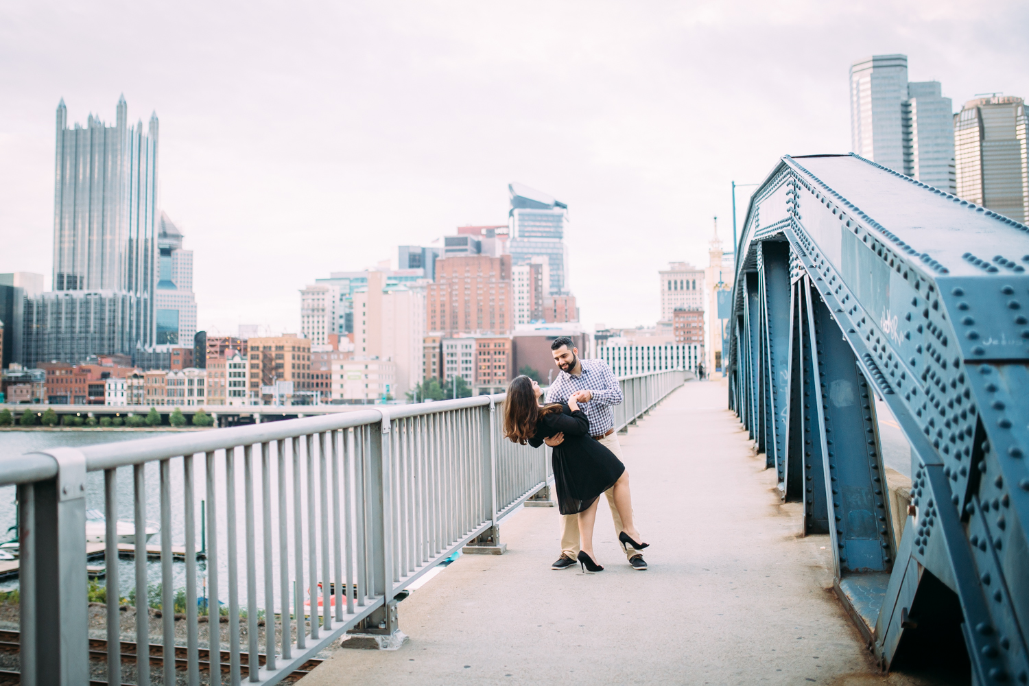 Ashley-reed-photography-pittsburgh-engagement-engagementphotography-engagementphotographer-stationsquare-statio-square-pittsburghengagementphotography-26.jpg