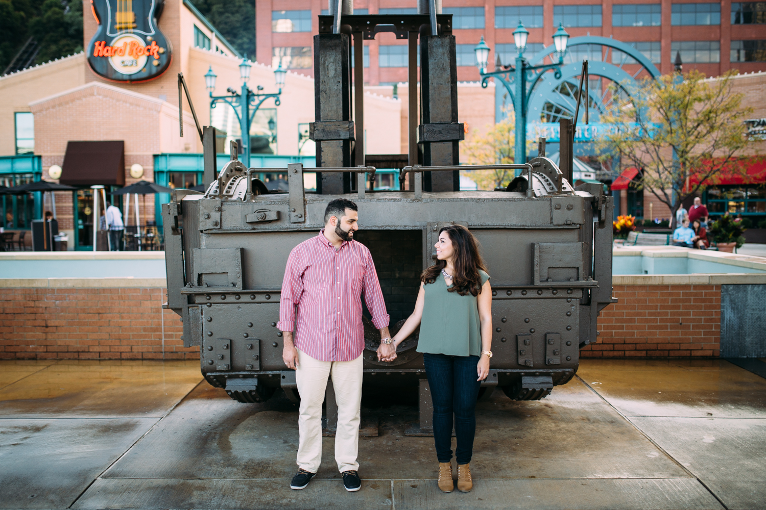 Ashley-reed-photography-pittsburgh-engagement-engagementphotography-engagementphotographer-stationsquare-statio-square-pittsburghengagementphotography-9.jpg