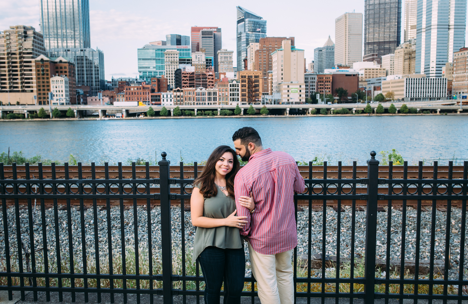 Ashley-reed-photography-pittsburgh-engagement-engagementphotography-engagementphotographer-stationsquare-statio-square-pittsburghengagementphotography-6.jpg