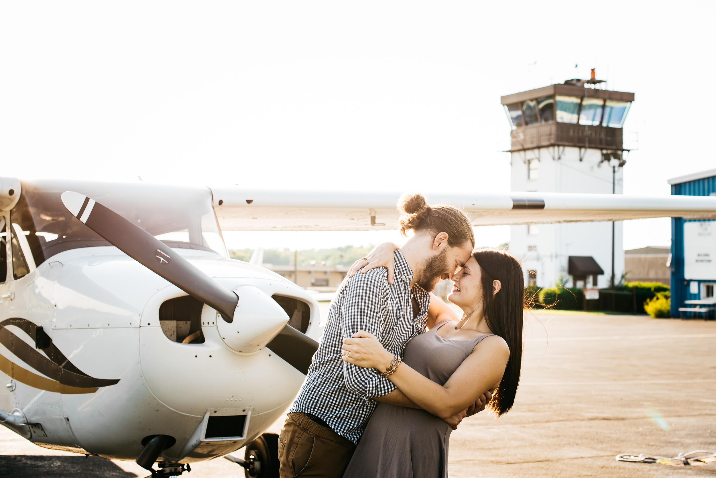 Pittsburgh_airplane_engagement_session012.jpg
